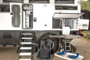 Mercedes Unimog Earthcruiser Camper 0819 003 thumbnail