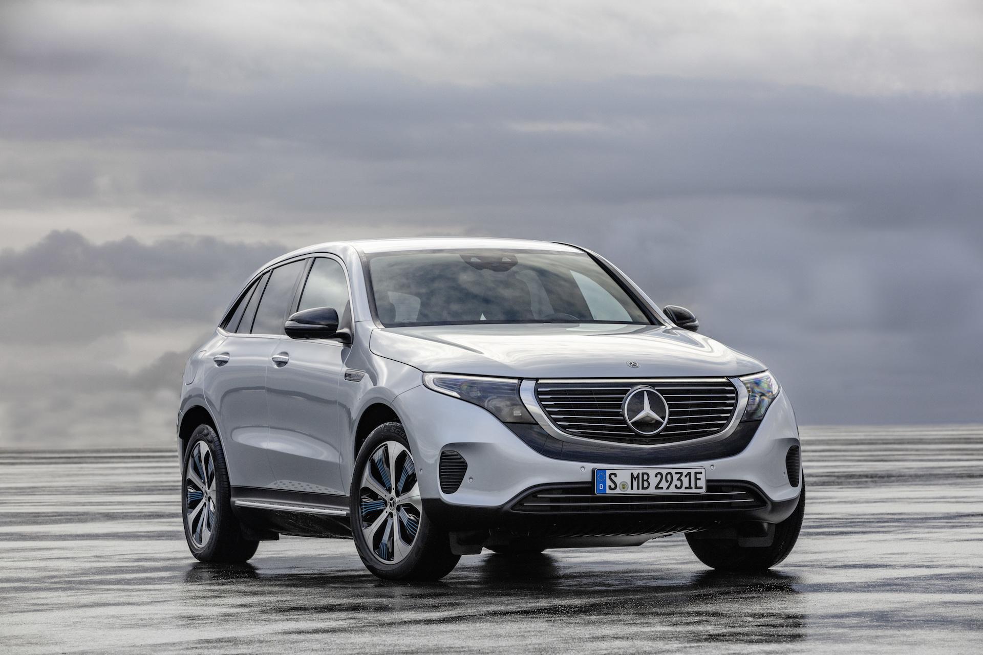 Der Neue Mercedes Benz Eqc: Der Mercedes Benz Unter Den Elektrofahrzeugen The New Mercedes Benz Eqc: The Mercedes Benz Among Electric Vehicles