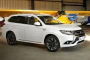 Mitsubishi Outlander Phev 2019 002 thumbnail