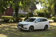 Mitsubishi Outlander Phev 2019 005 thumbnail