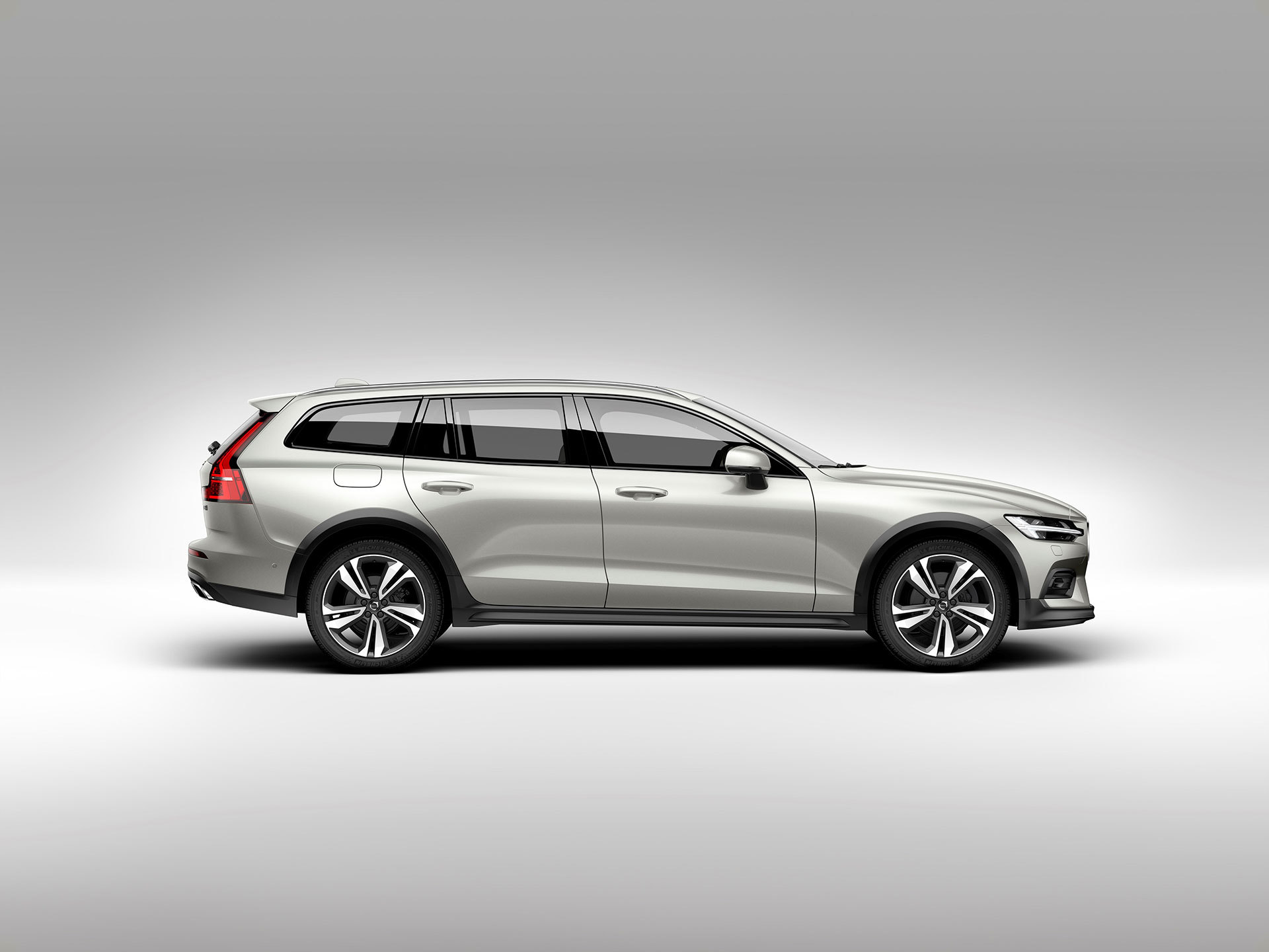 Volvo V60 Cross Country 2019 06