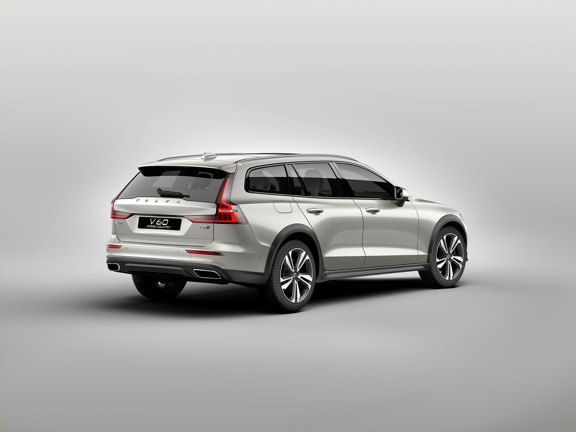 Volvo V60 Cross Country 2019 08