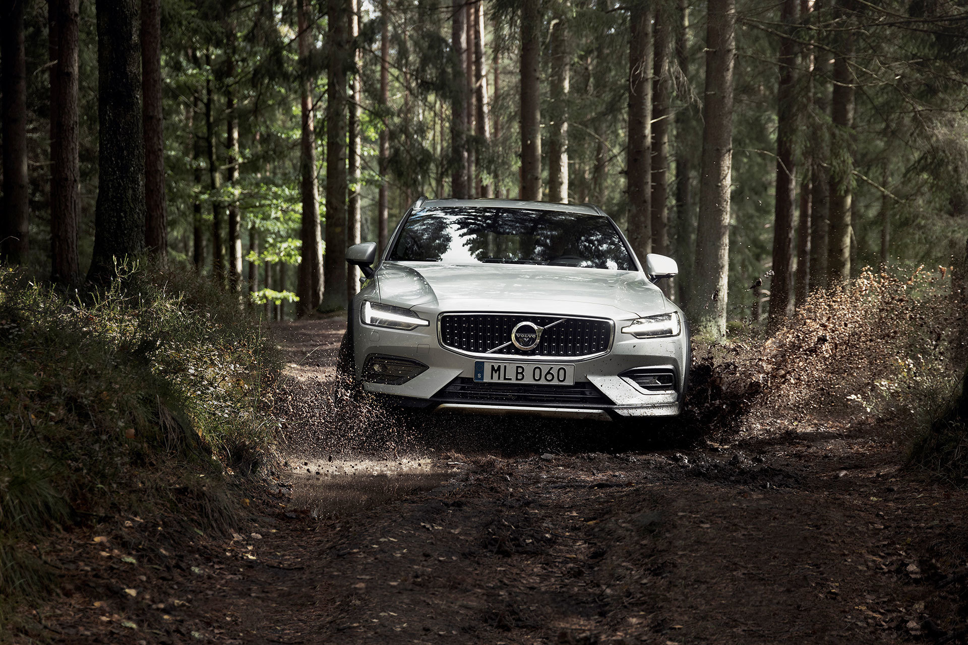 Volvo V60 Cross Country 2019 17