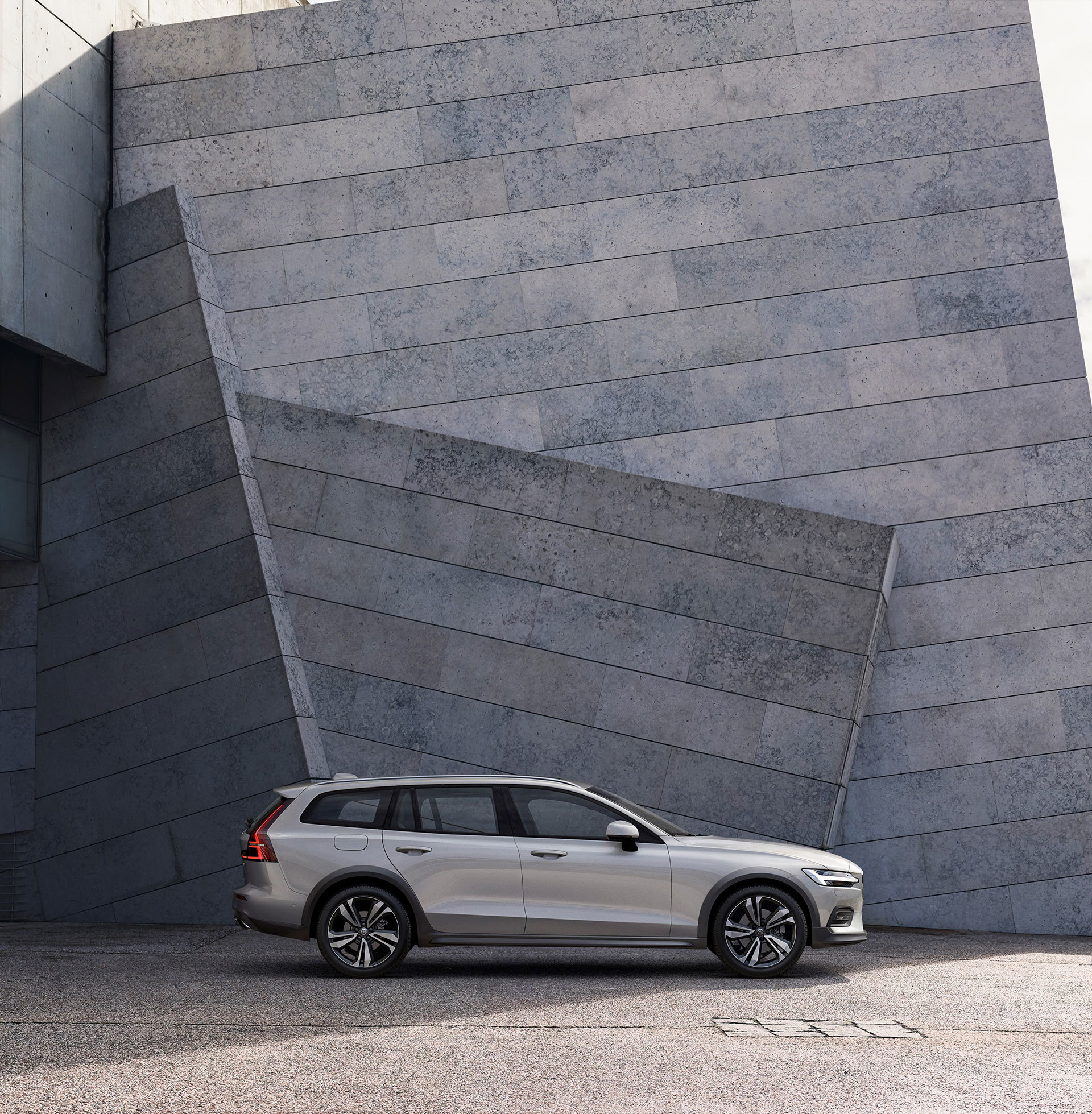 Volvo V60 Cross Country 2019 24