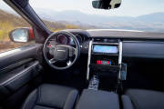 Land Rover Discovery Life Saving 2018 04 thumbnail