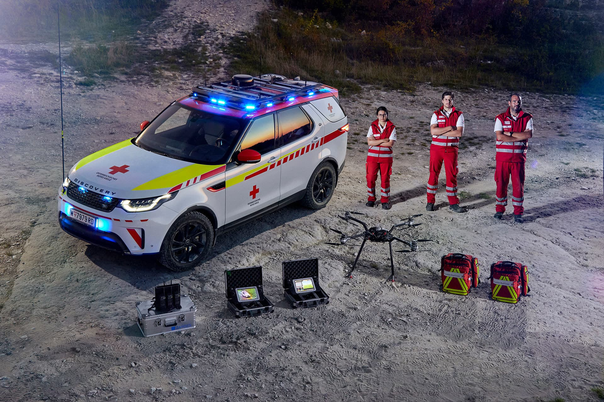 Land Rover Discovery Life Saving 2018 12