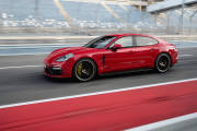 Porsche Panamera Gts 2019 01 thumbnail