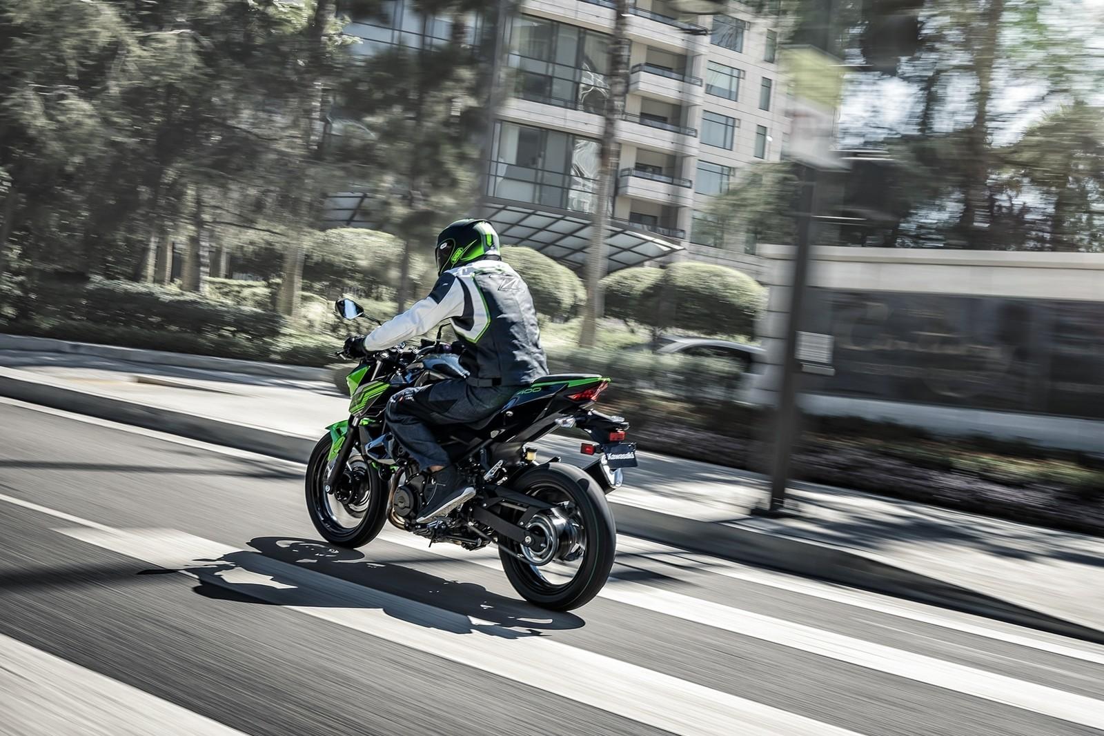 Moto Kawasaki Z400 Dm 5