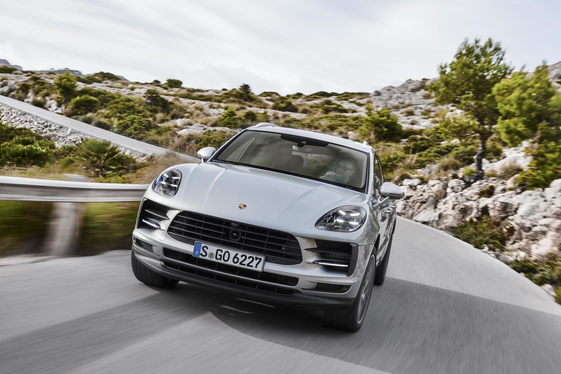 Porsche Macan S 2019 01