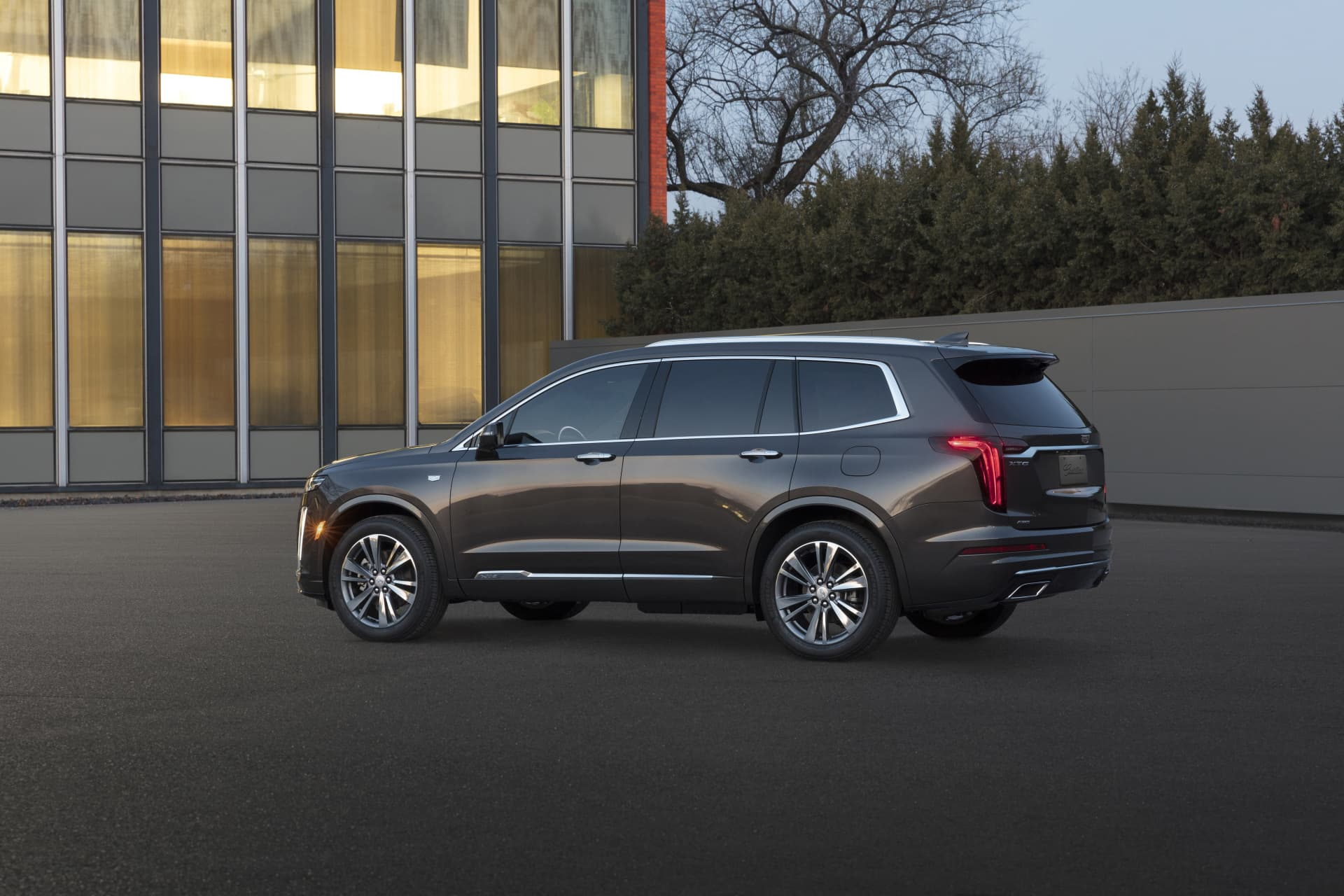 The First Ever Cadillac Xt6 Premium Luxury Model Provides An Ele
