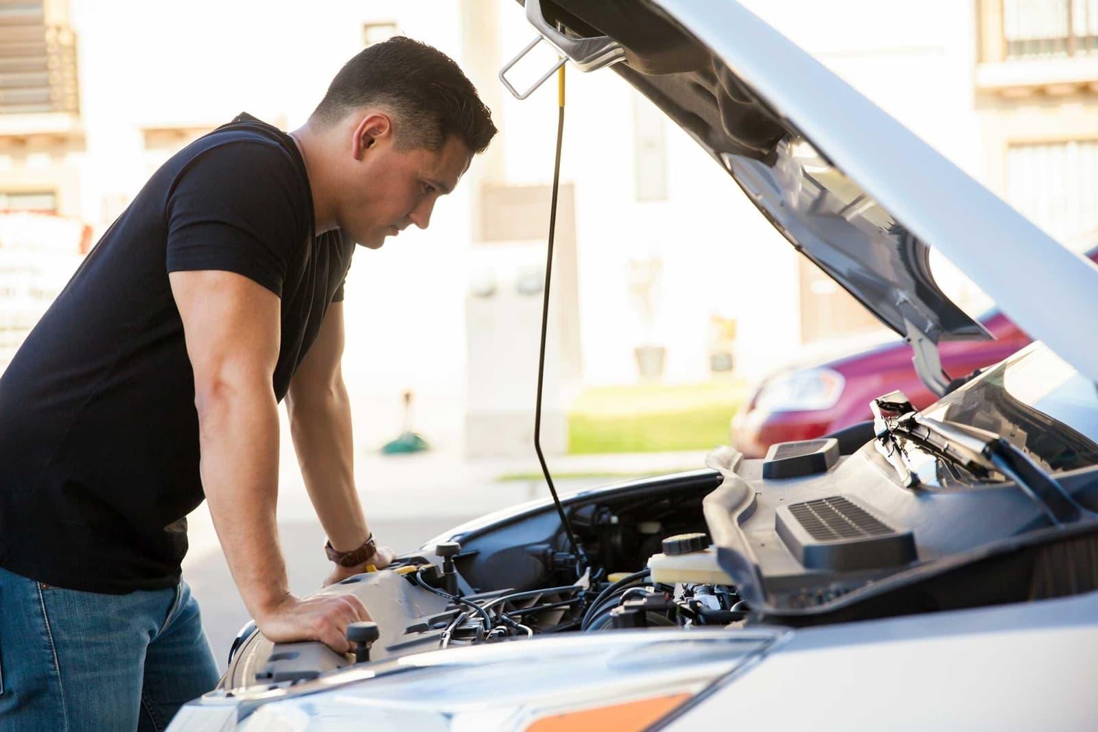 Sabías Que Además De Buscarte Una Avería Pueden Multarte Por Quedarte Sin Gasolina Diariomotor