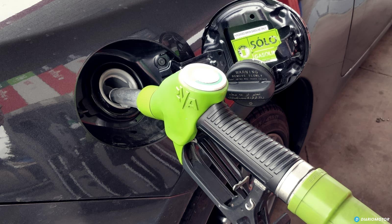 Gasolina Surtidor Repostaje 0119 02