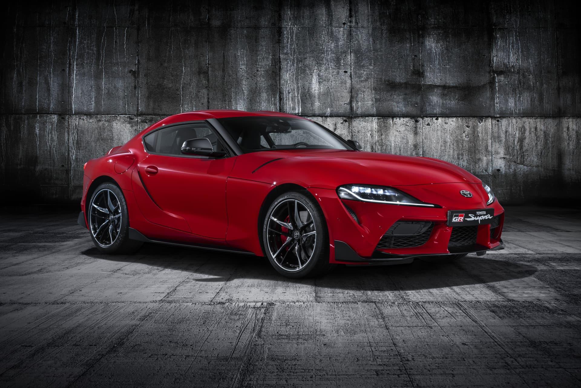 Todos Los Detalles Rojo Exterior Toyota Supra Red Studio 001 267691