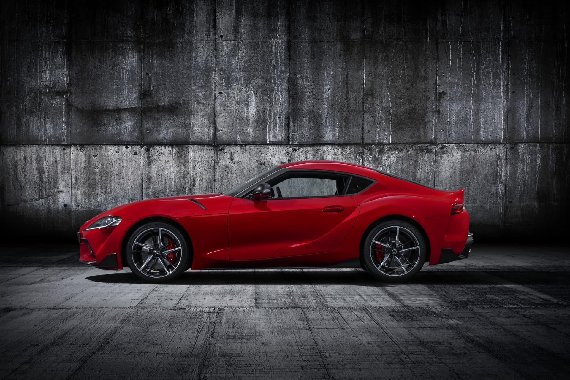 Todos Los Detalles Rojo Exterior Toyota Supra Red Studio 004 410783