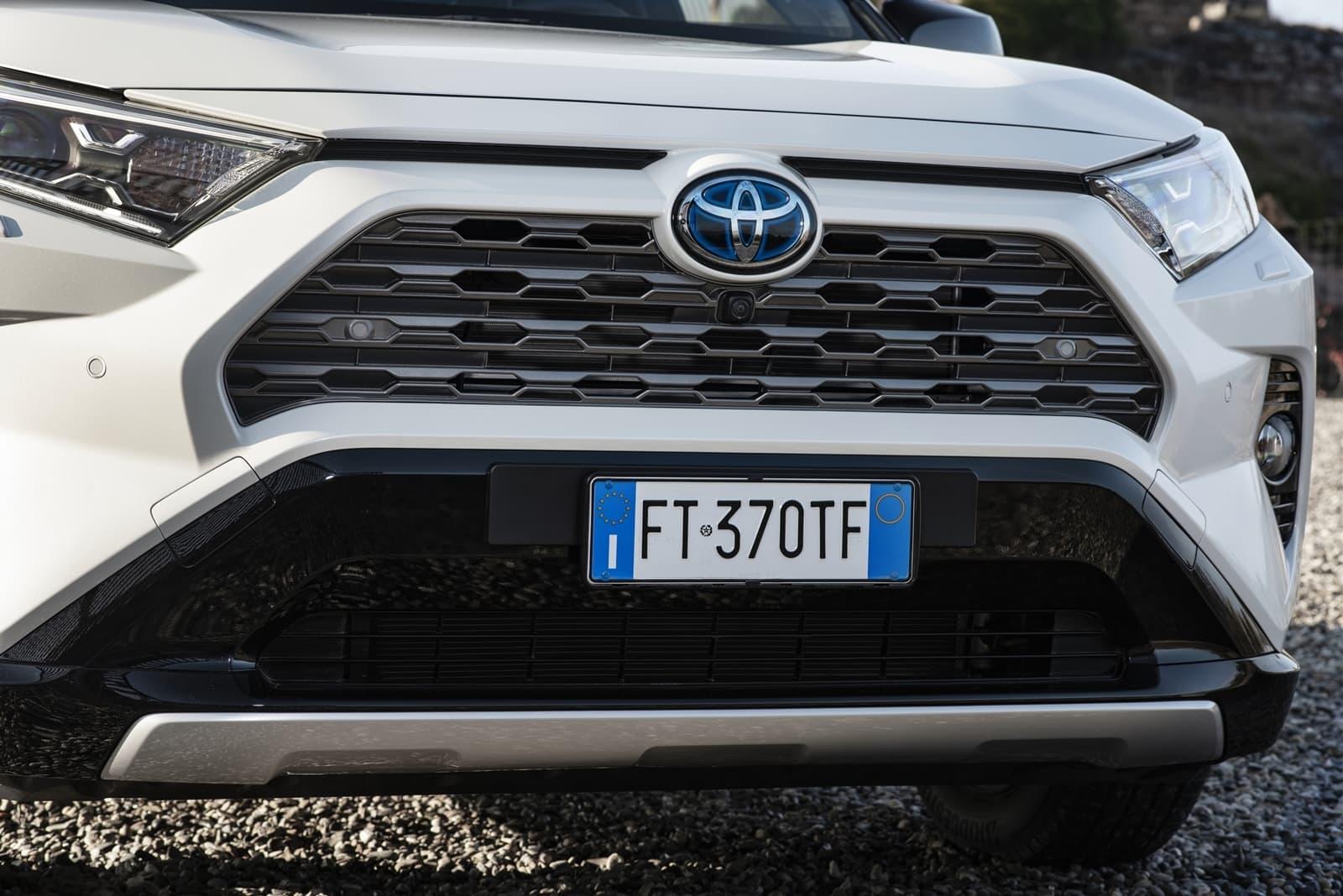 Toyota Rav4 2019 0119 004 Parrilla