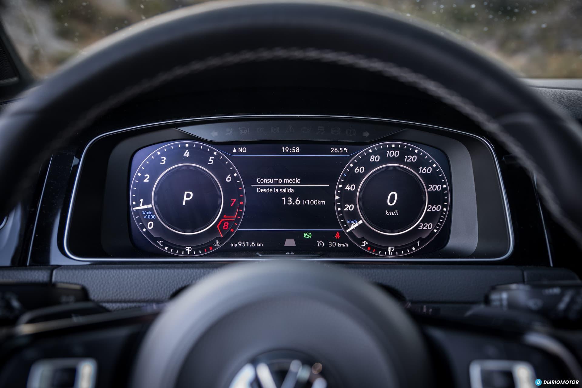 Volkswagen Golf R Digital Cockpit