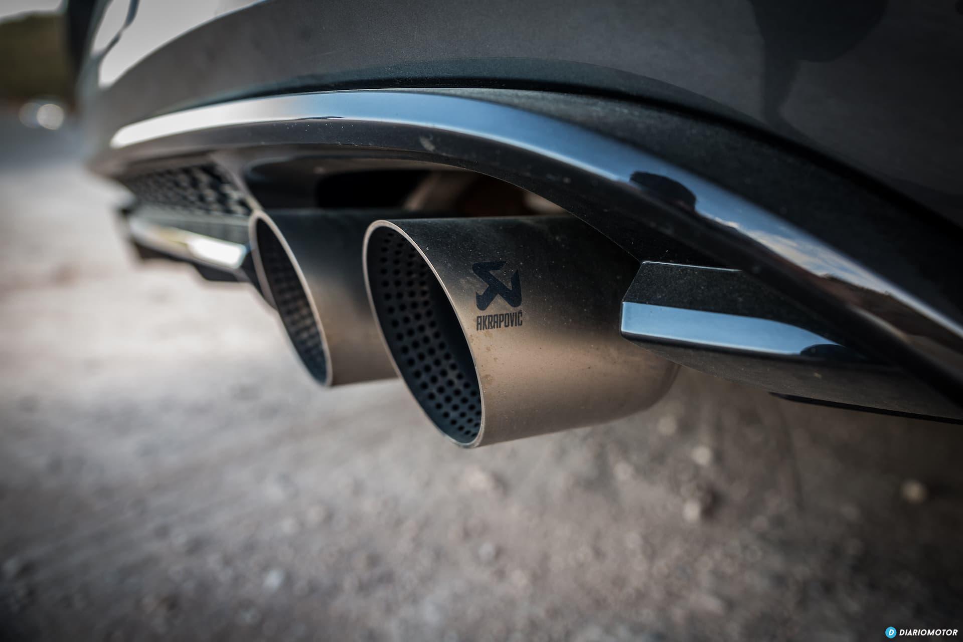 Volkswagen Golf R Escapes Akrapovic 2