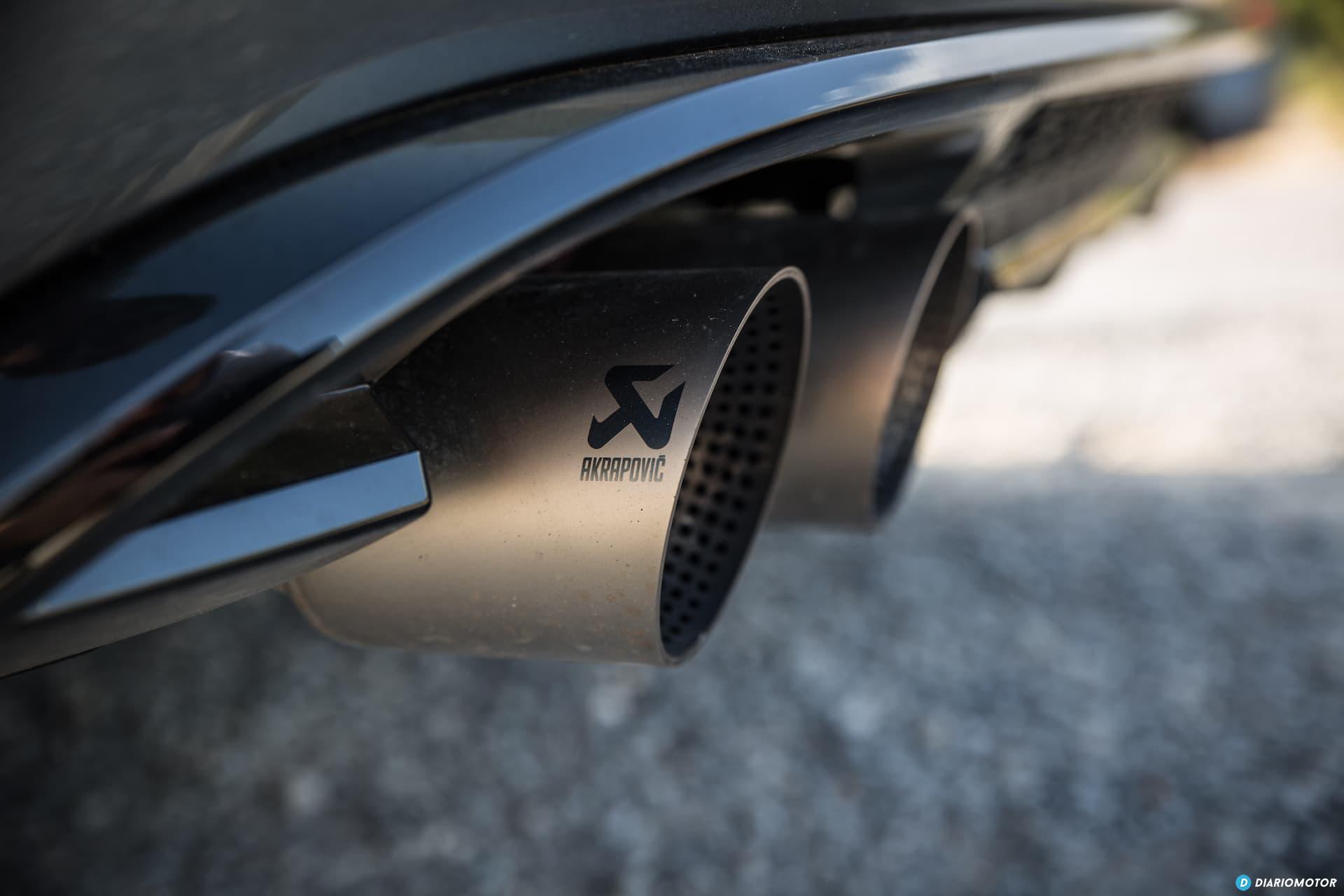 Volkswagen Golf R Escapes Akrapovic