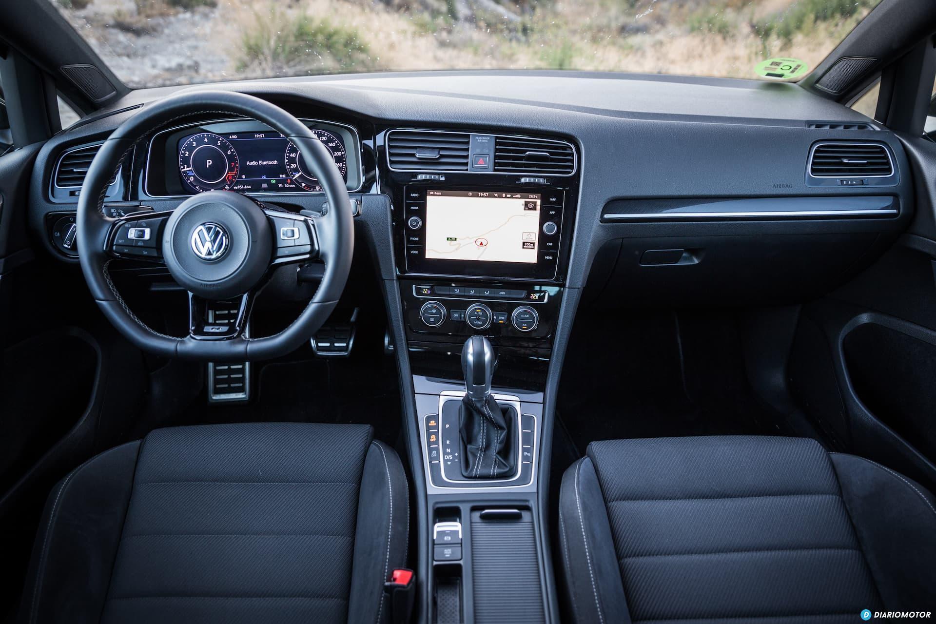 Volkswagen Golf R Interior 2