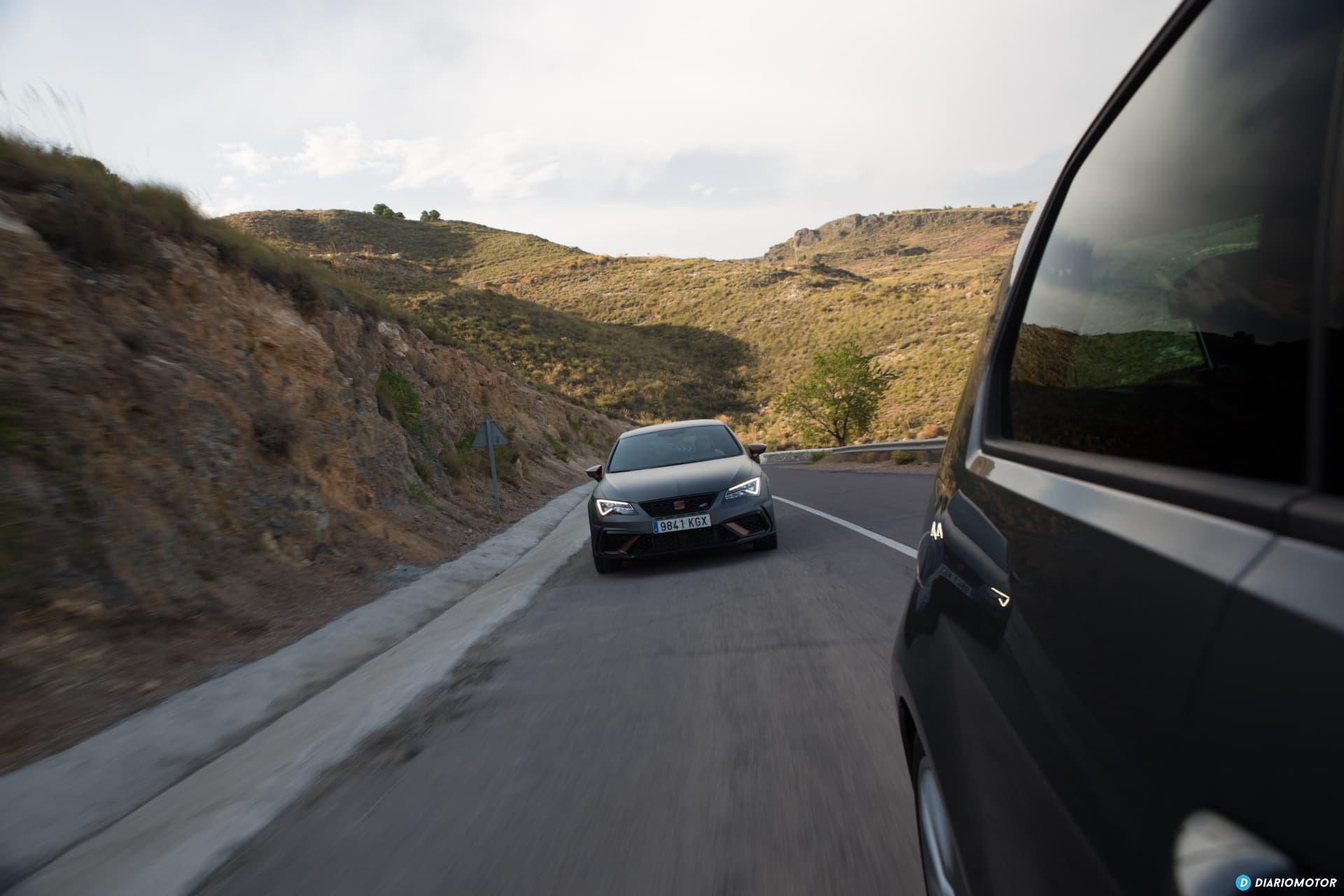 Volkswagen Golf R Seat Leon Cupra R 18