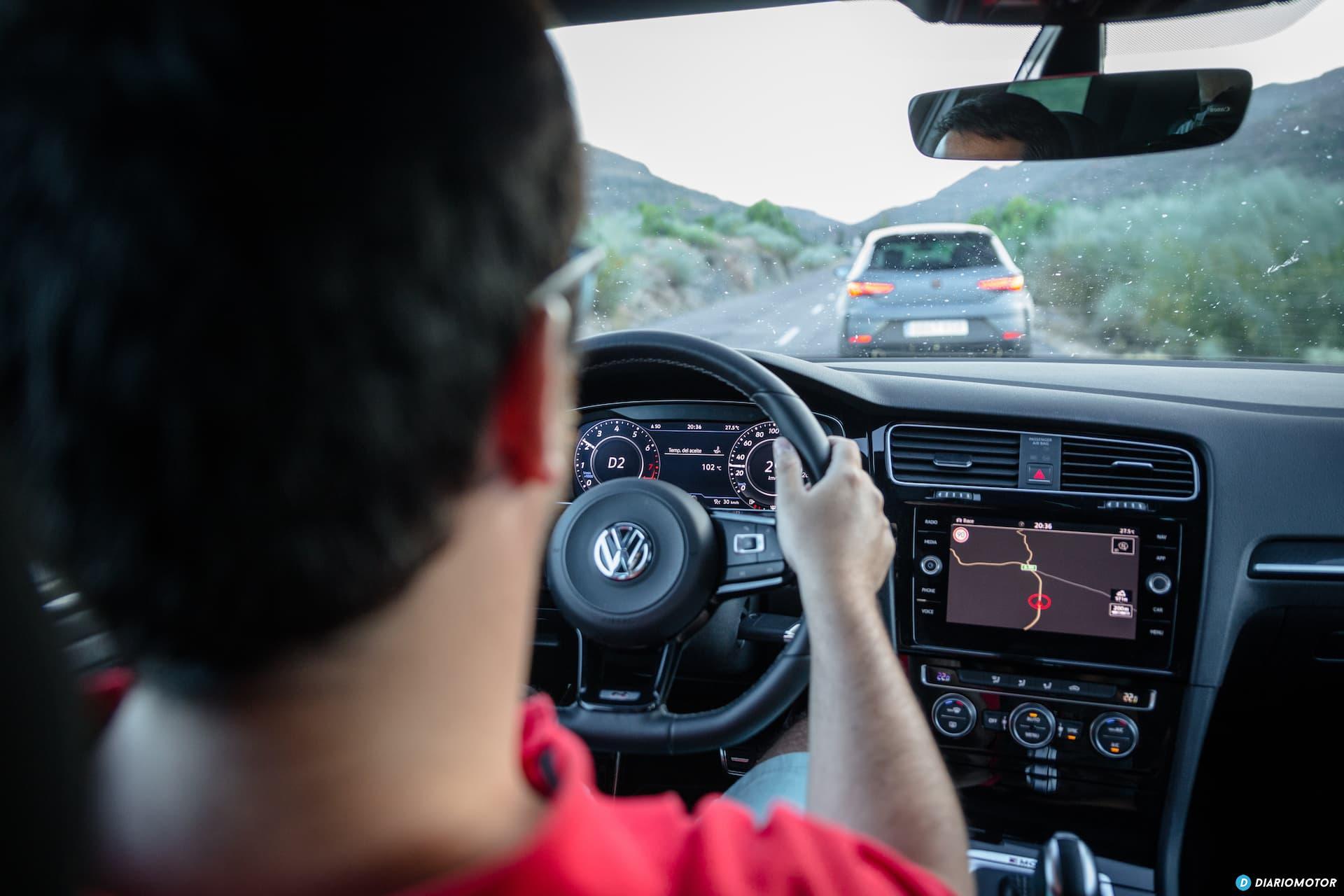 Volkswagen Golf R Seat Leon Cupra R 67