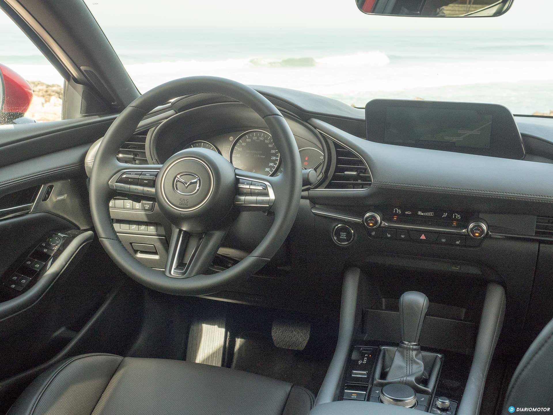 Mazda 3 Skyactiv G  Interior 00014