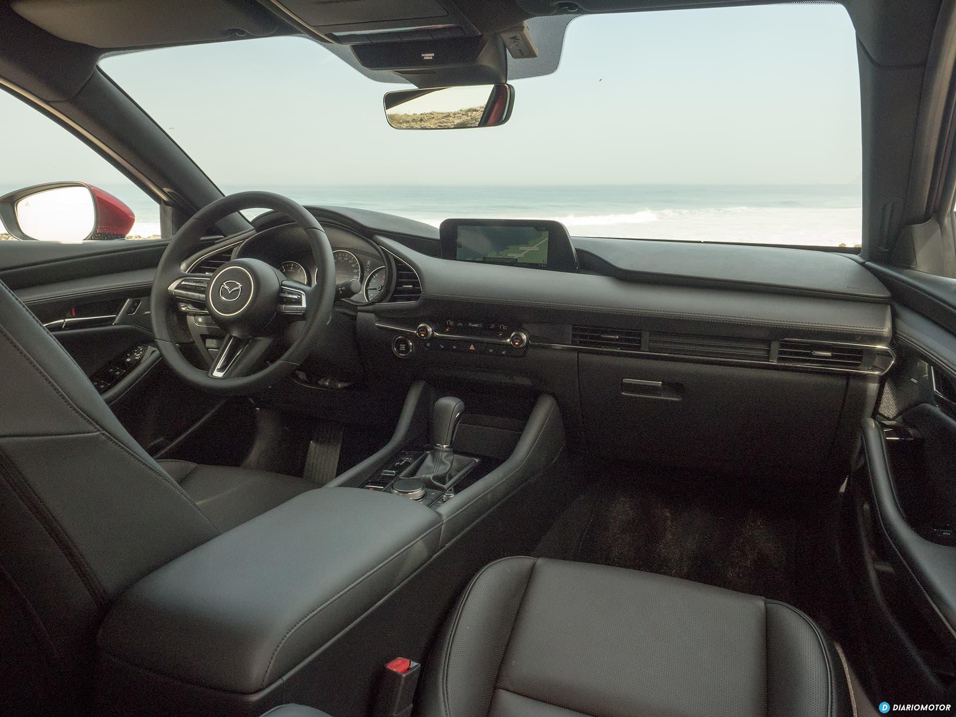 Mazda 3 Skyactiv G  Interior 00019