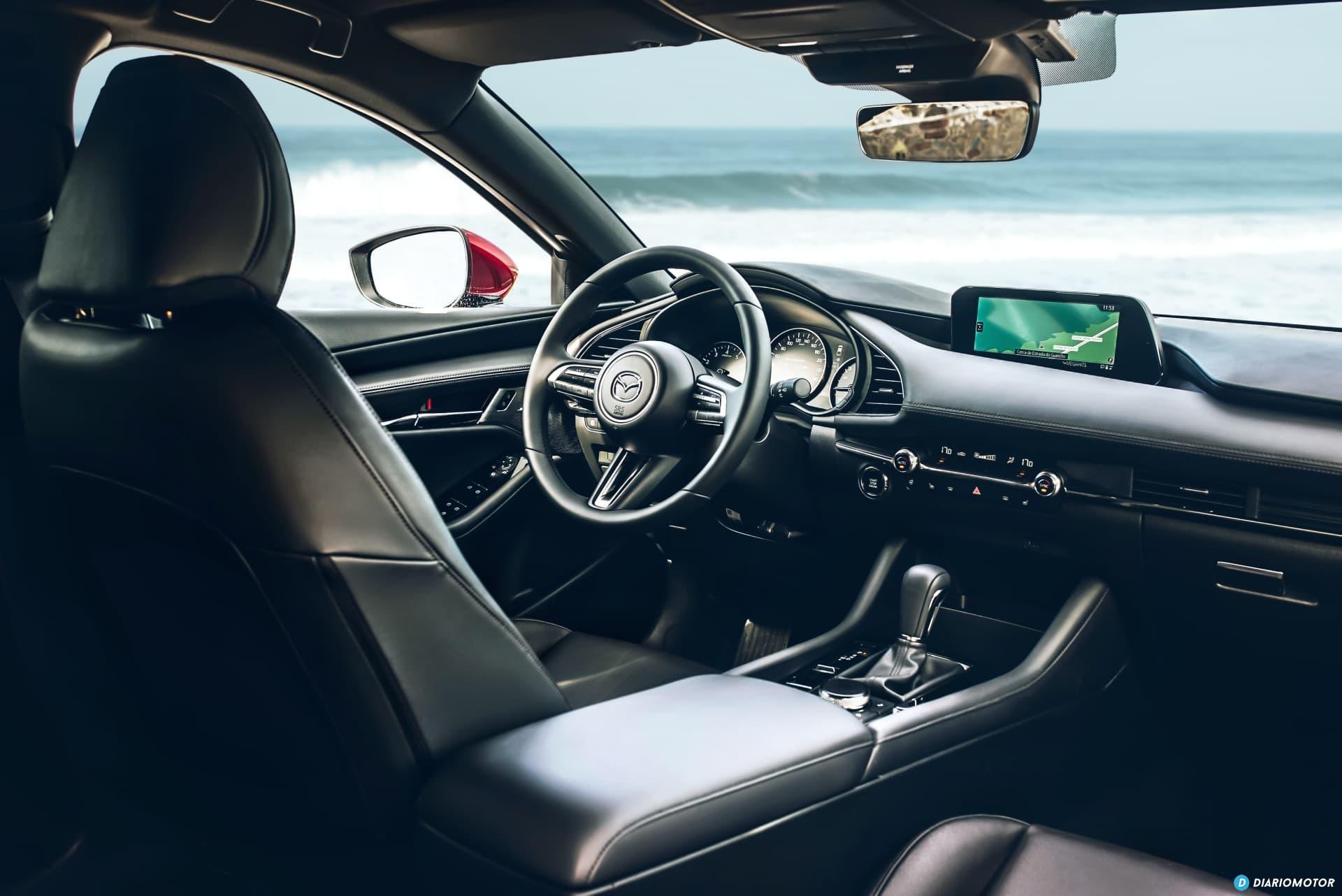 Mazda 3 Skyactiv G  Interior 00100