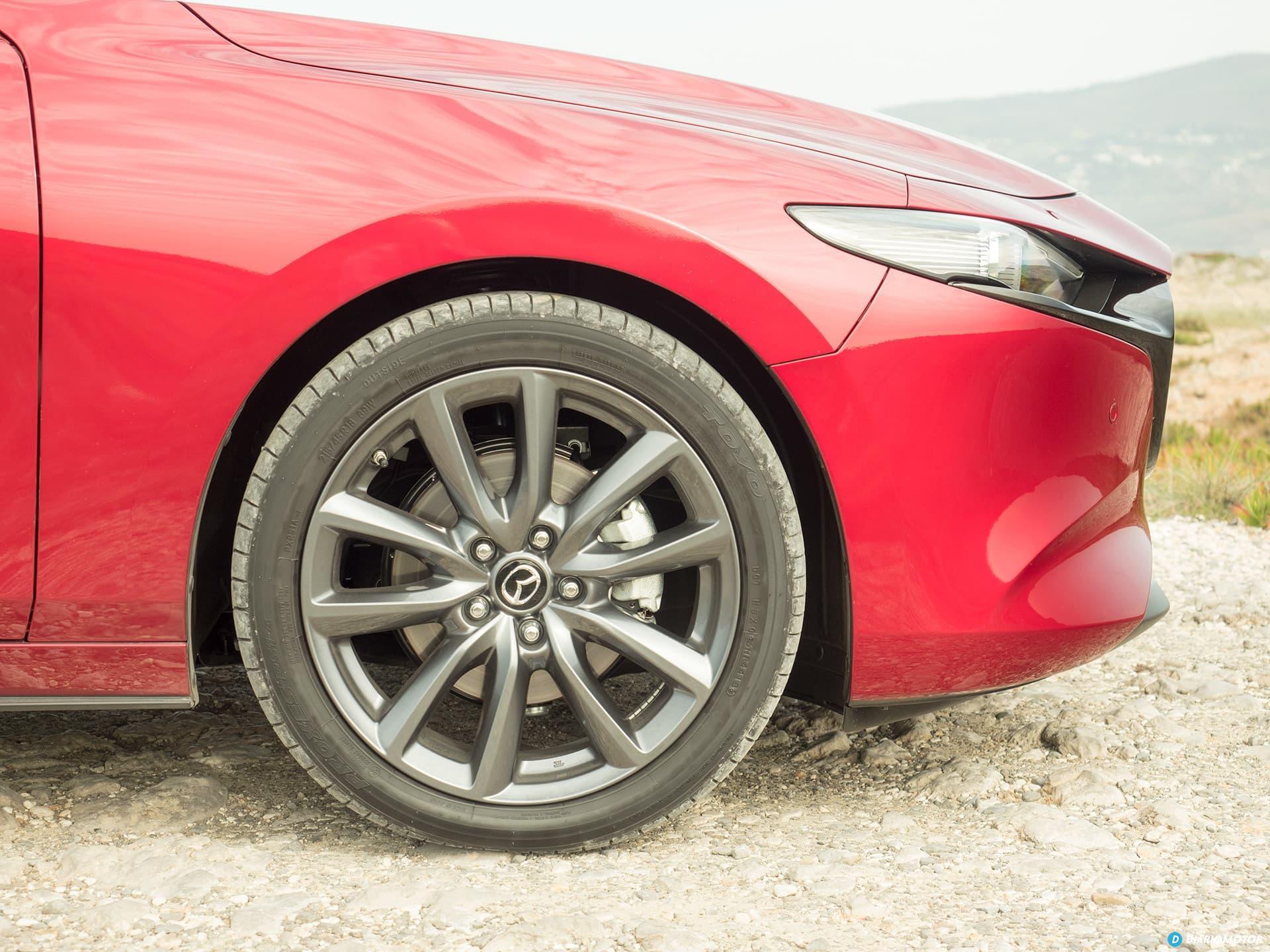 Mazda 3 Skyactiv G  Llanta 18 00004