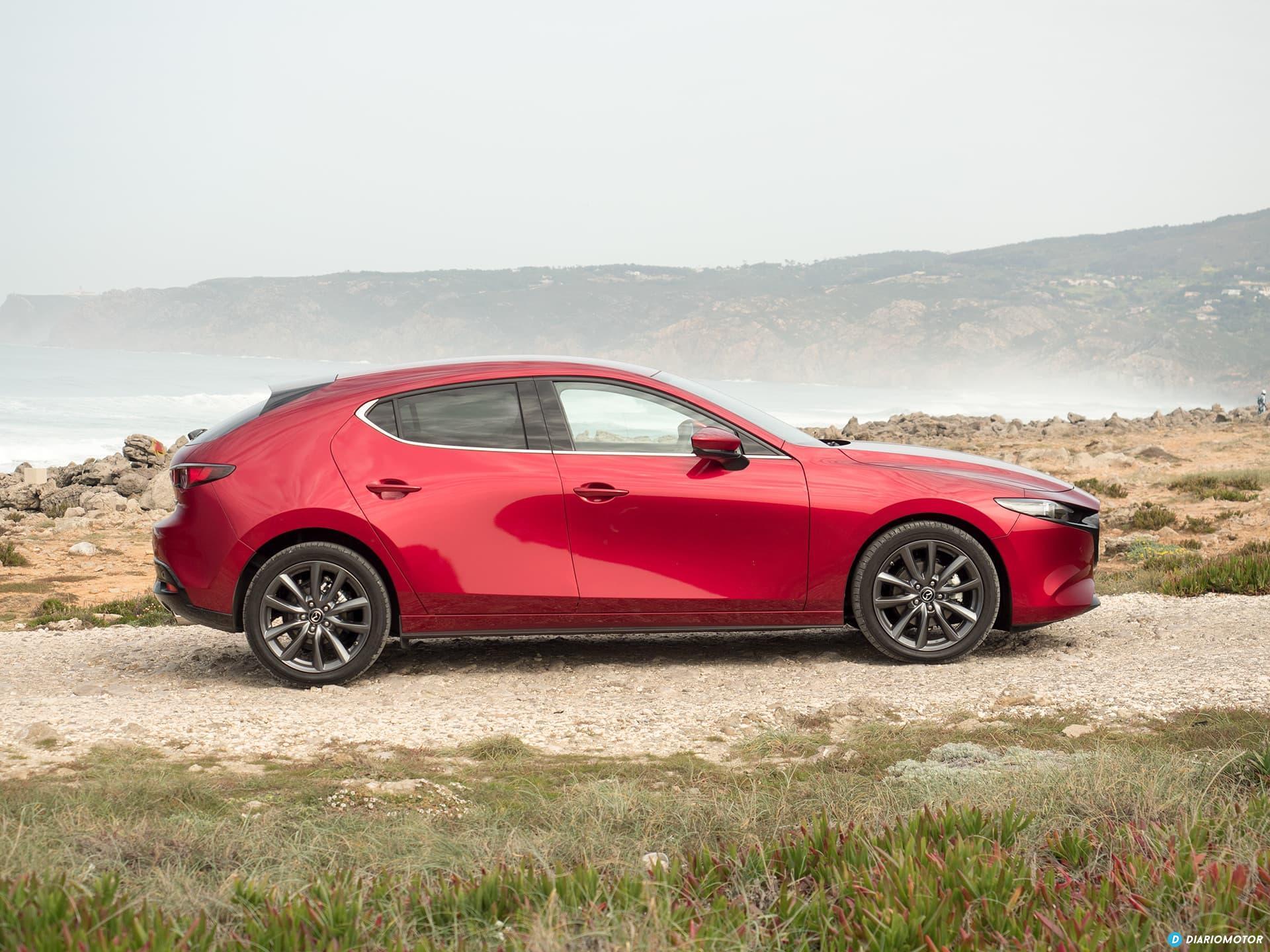Mazda 3 Skyactiv G  Perfil 00007