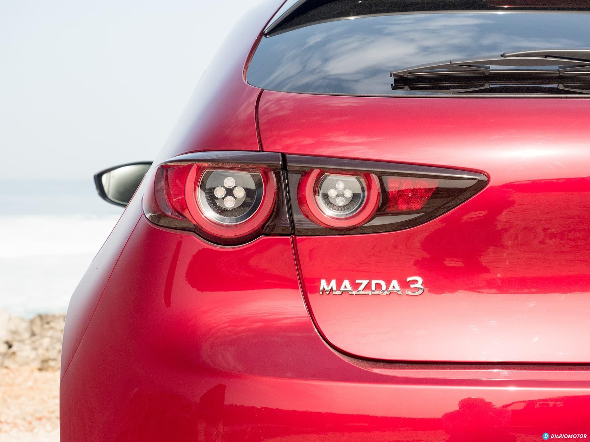 Mazda 3 Skyactiv G  Pilotos Traseros 00016