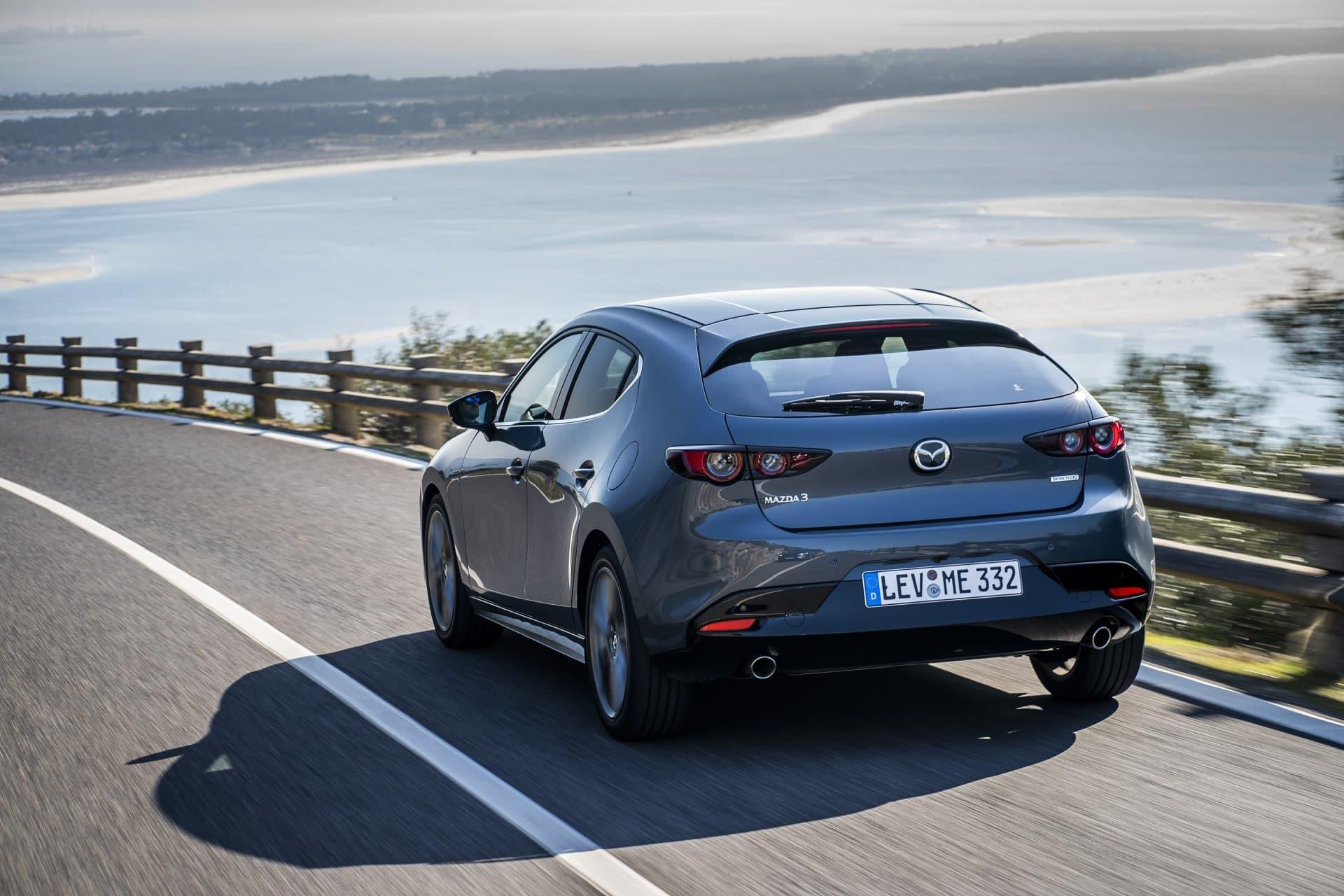Mazda 3 Skyactiv G Oficial Gris 00106