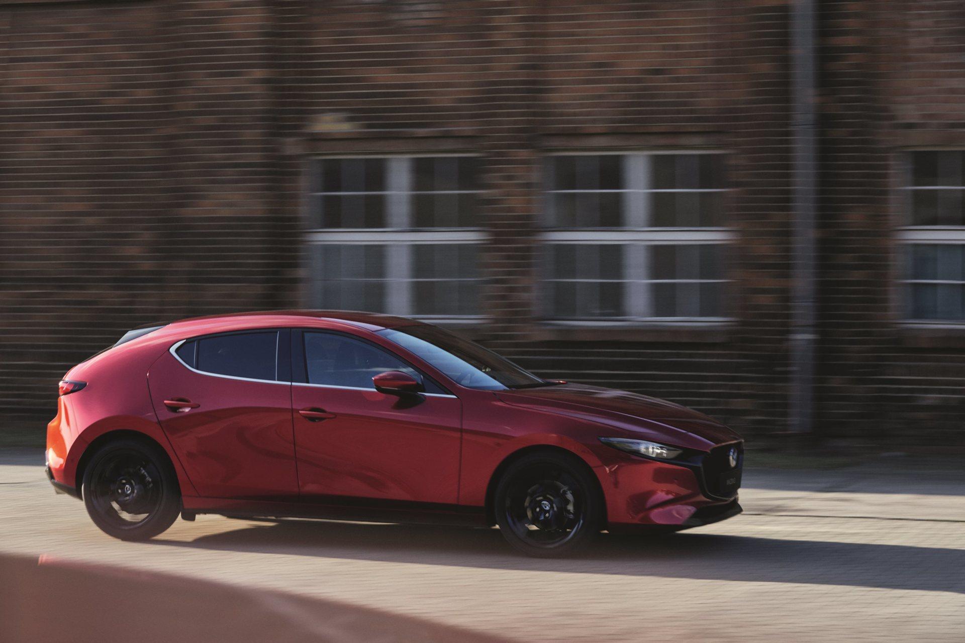 Mazda 3 Skyactiv G Oficial Rojo 00118