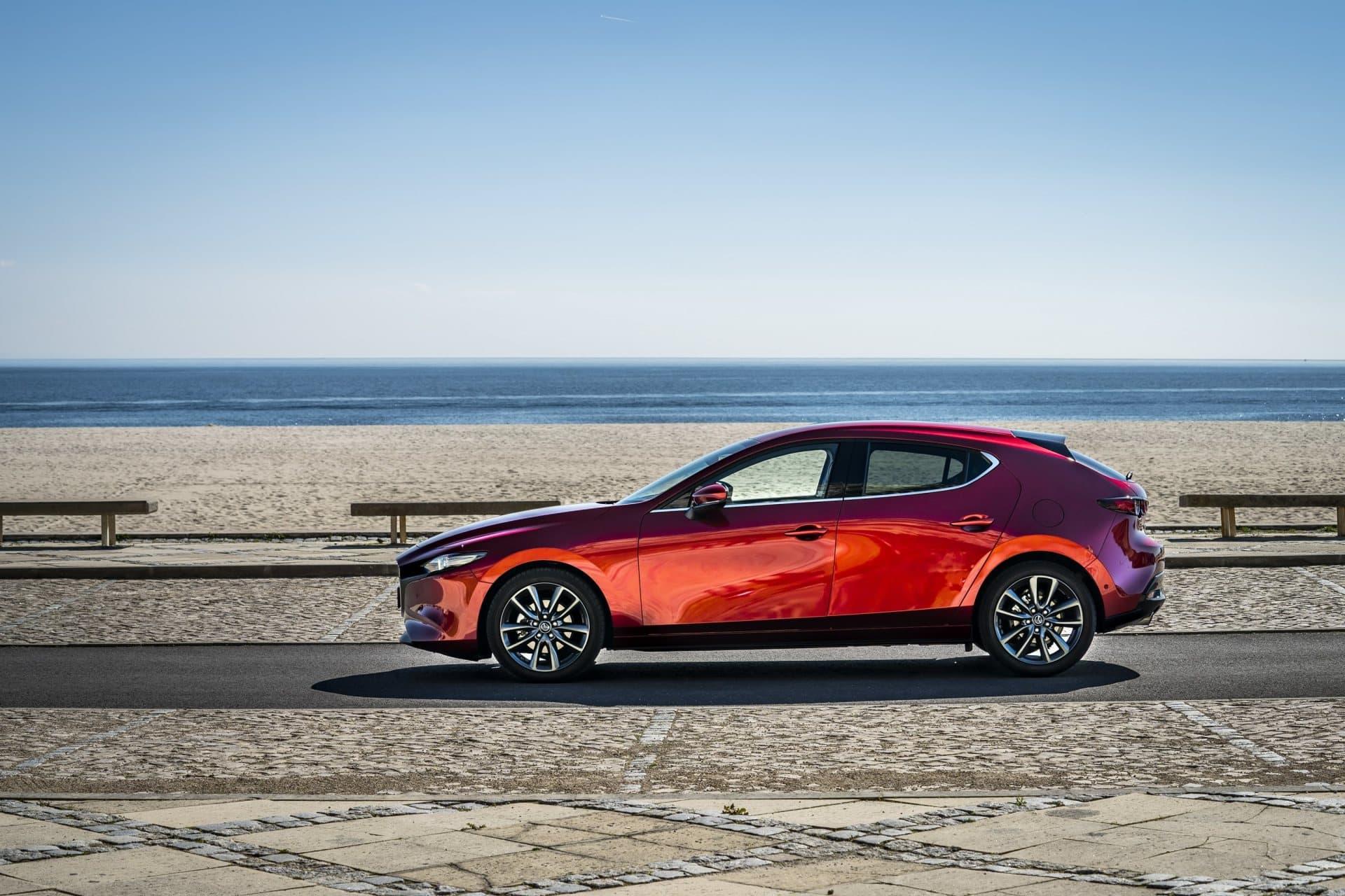 Mazda 3 Skyactiv G Oficial Rojo 00122