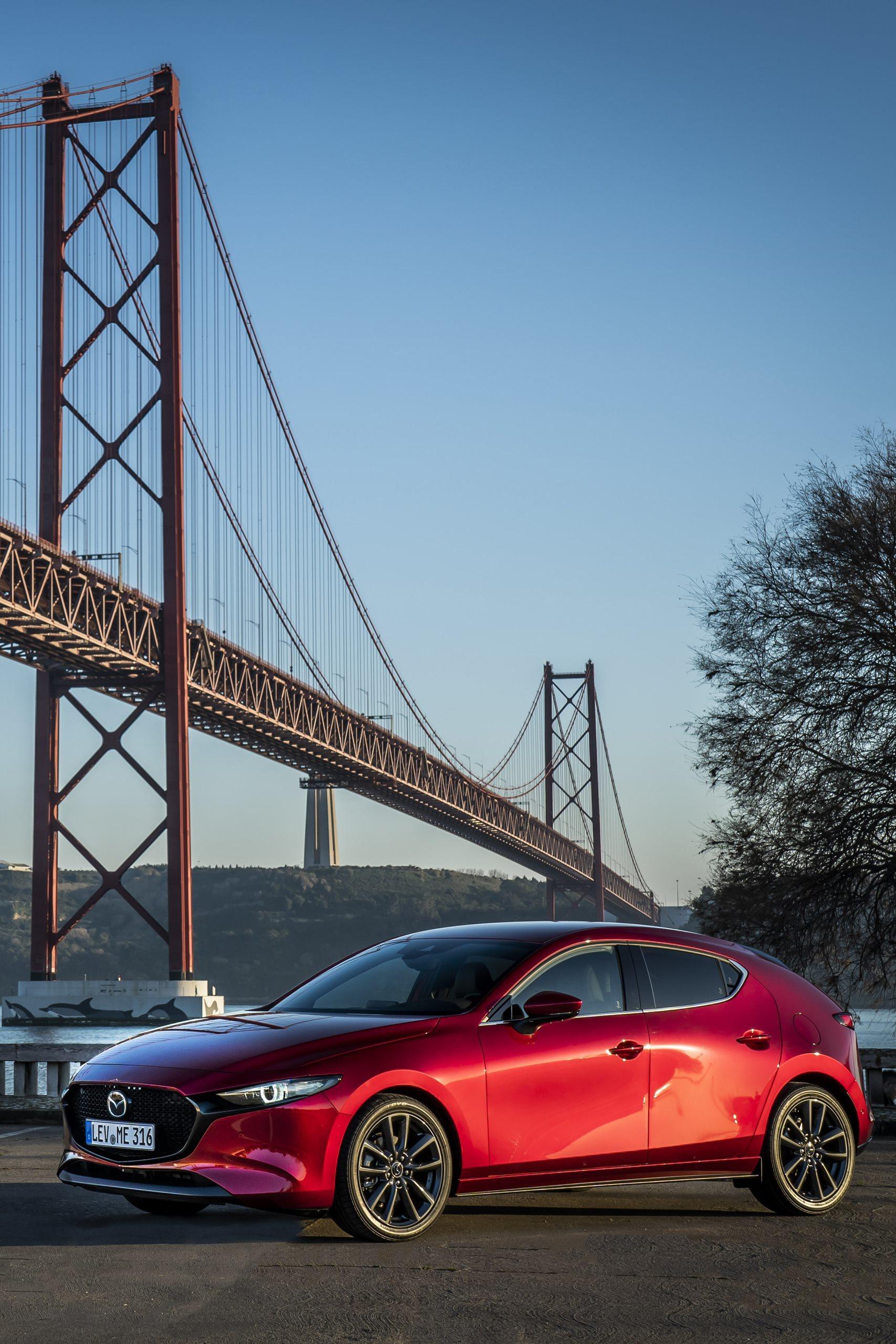 Mazda 3 Skyactiv G Oficial Rojo 00128