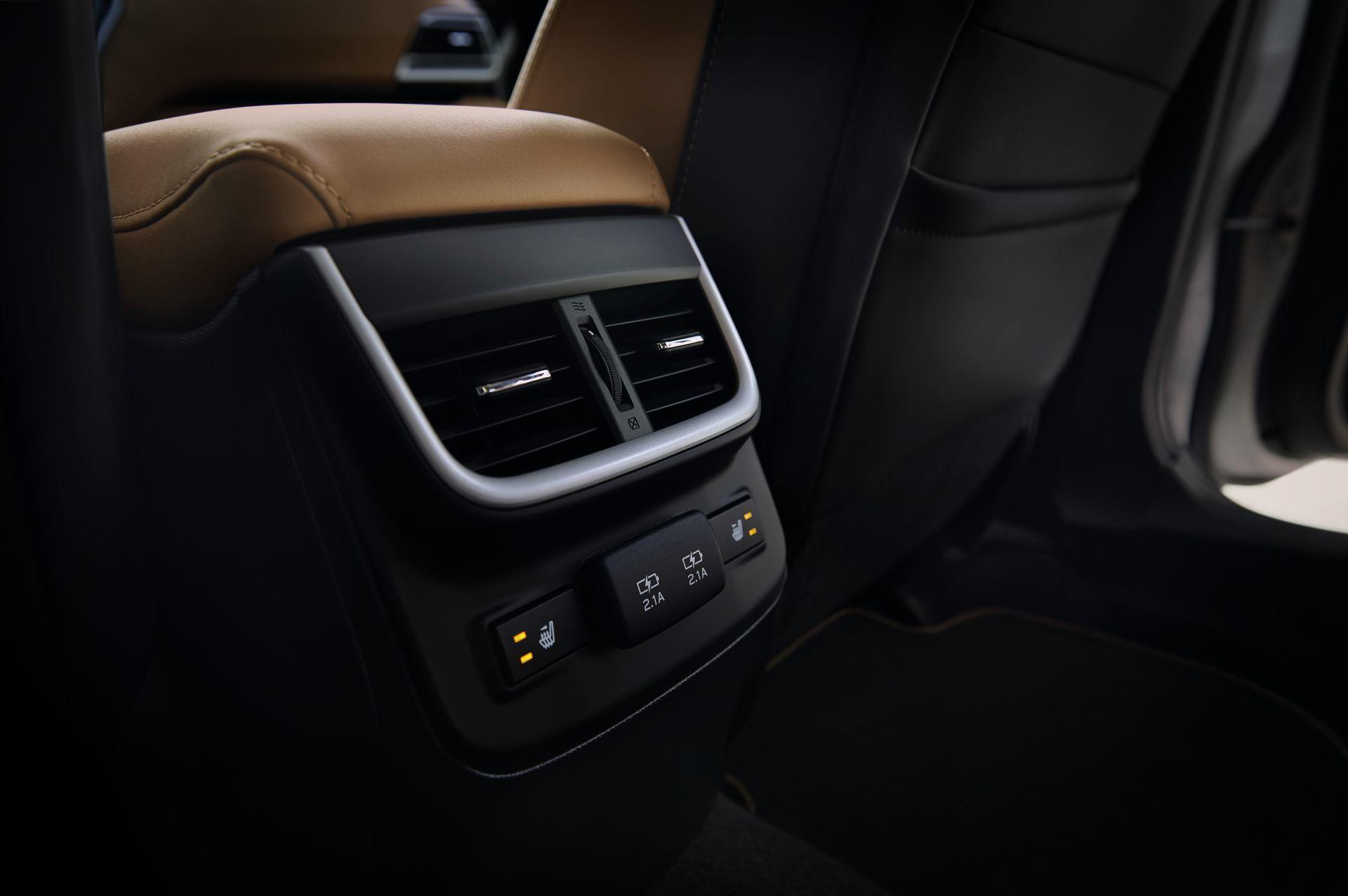 Subaru Legacy 2019 Interior 8