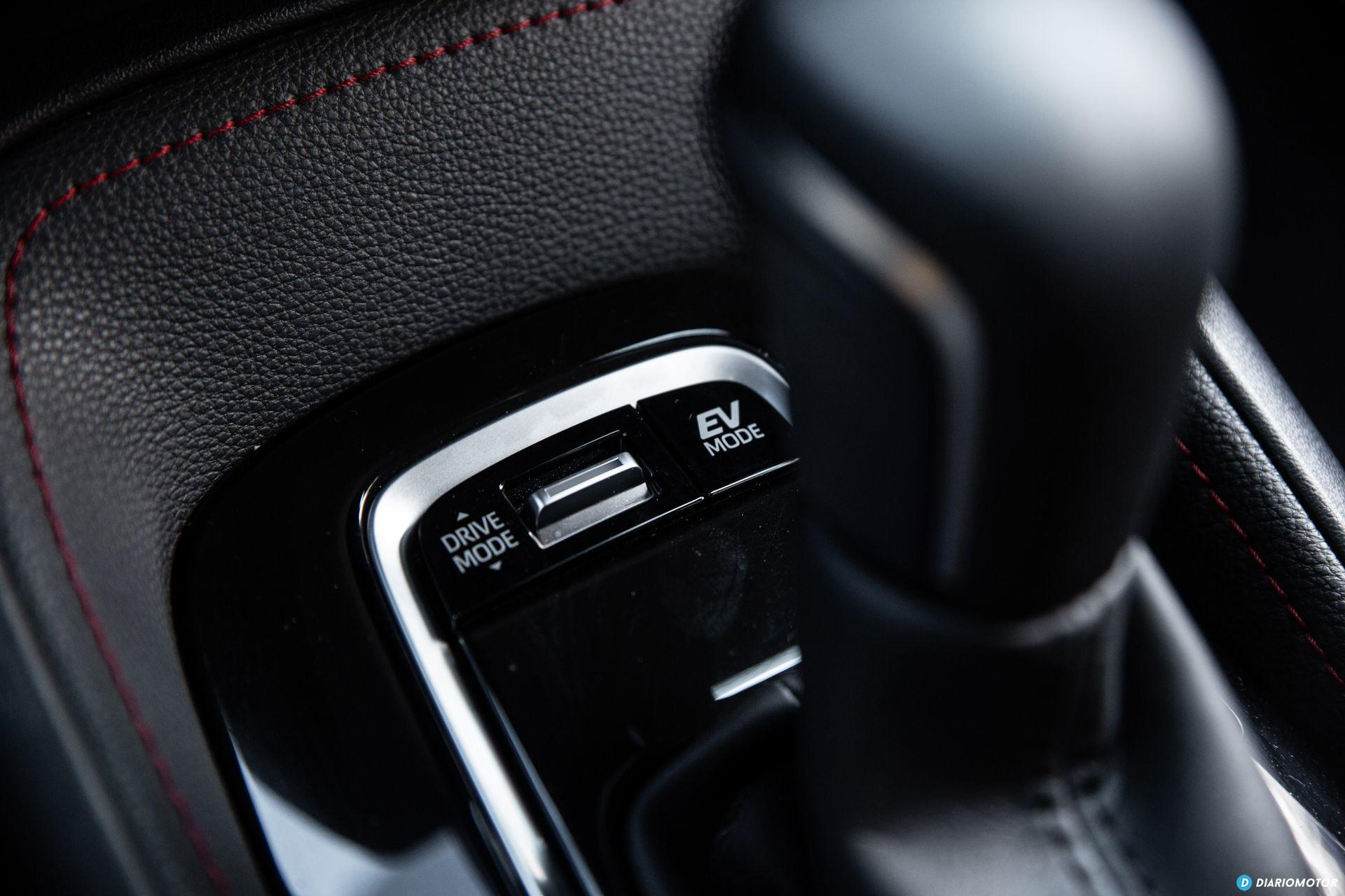 Toyota Corolla 2019 Interior 6