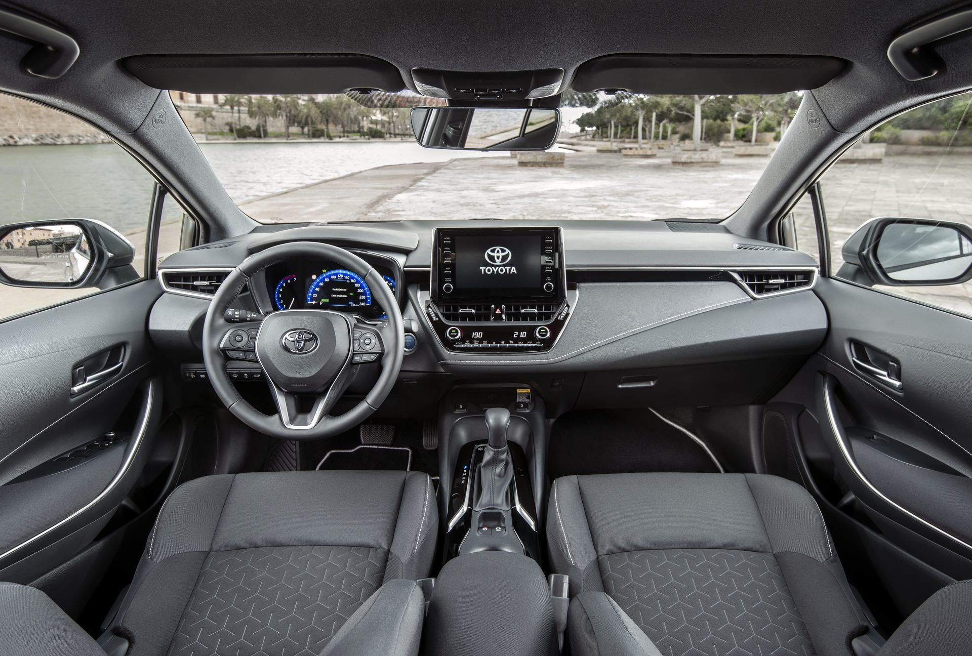 Toyota Corolla Touring Sport 1 Interior