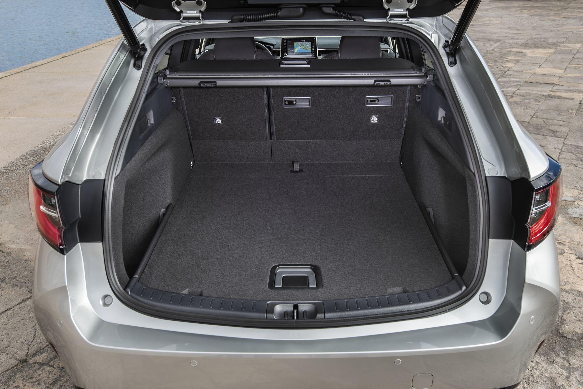 Toyota Corolla Touring Sport 2 Maletero