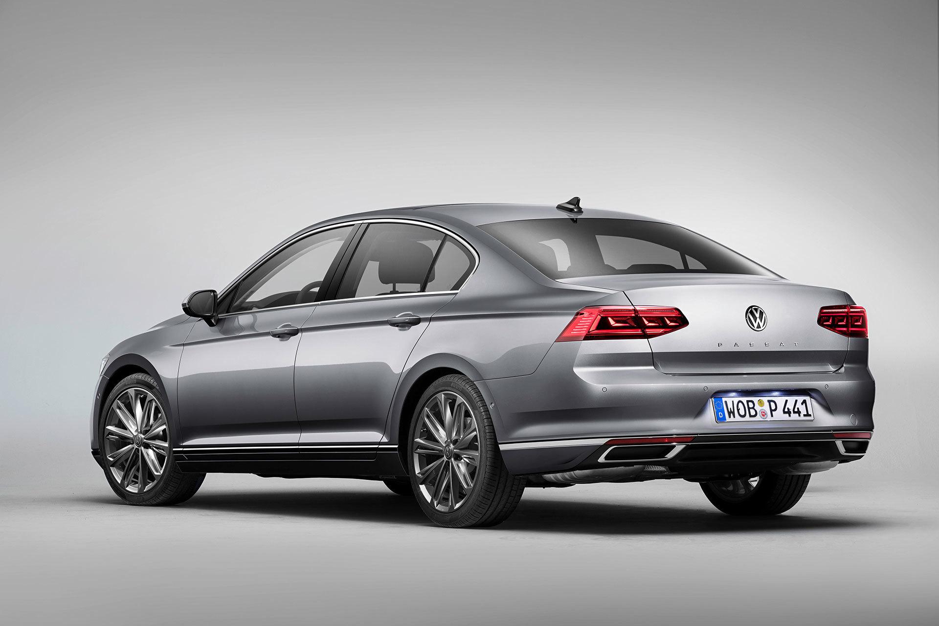 Volkswagen Passat 2019 Gris Exterior 01 Trasera