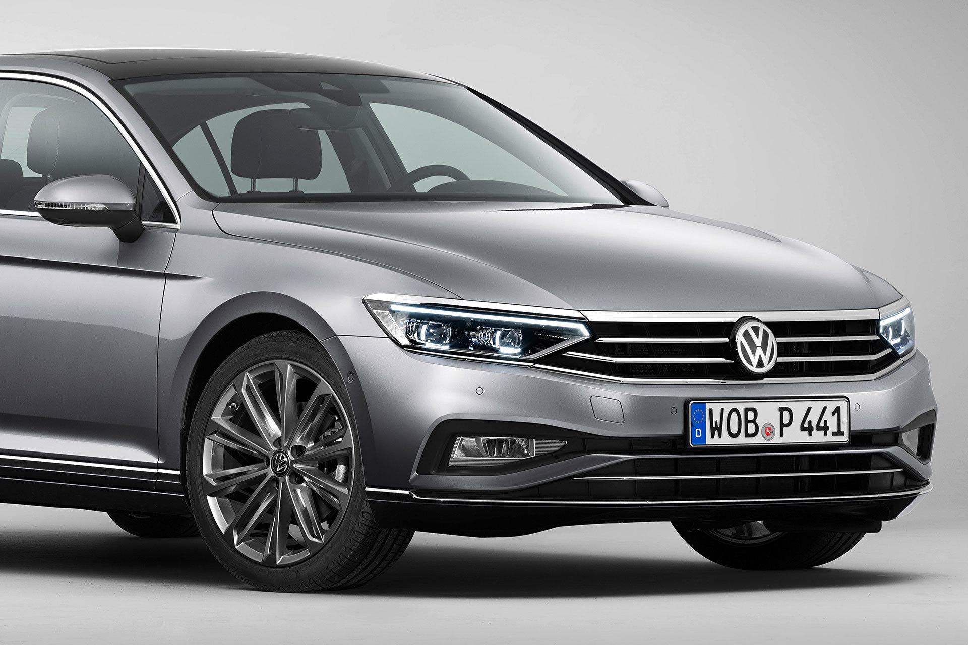 Volkswagen Passat 2019 Gris Exterior 03