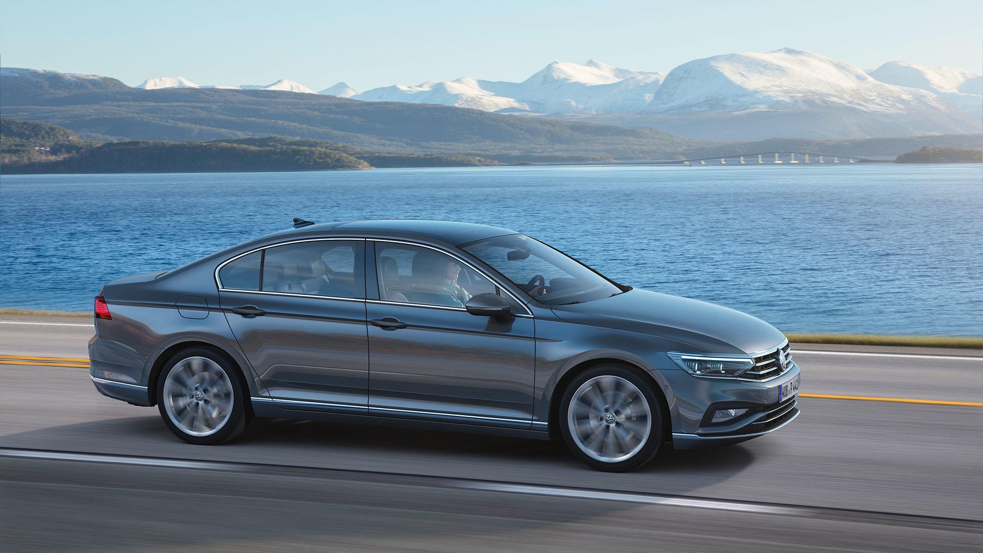 Volkswagen Passat 2019 Gris Exterior 05