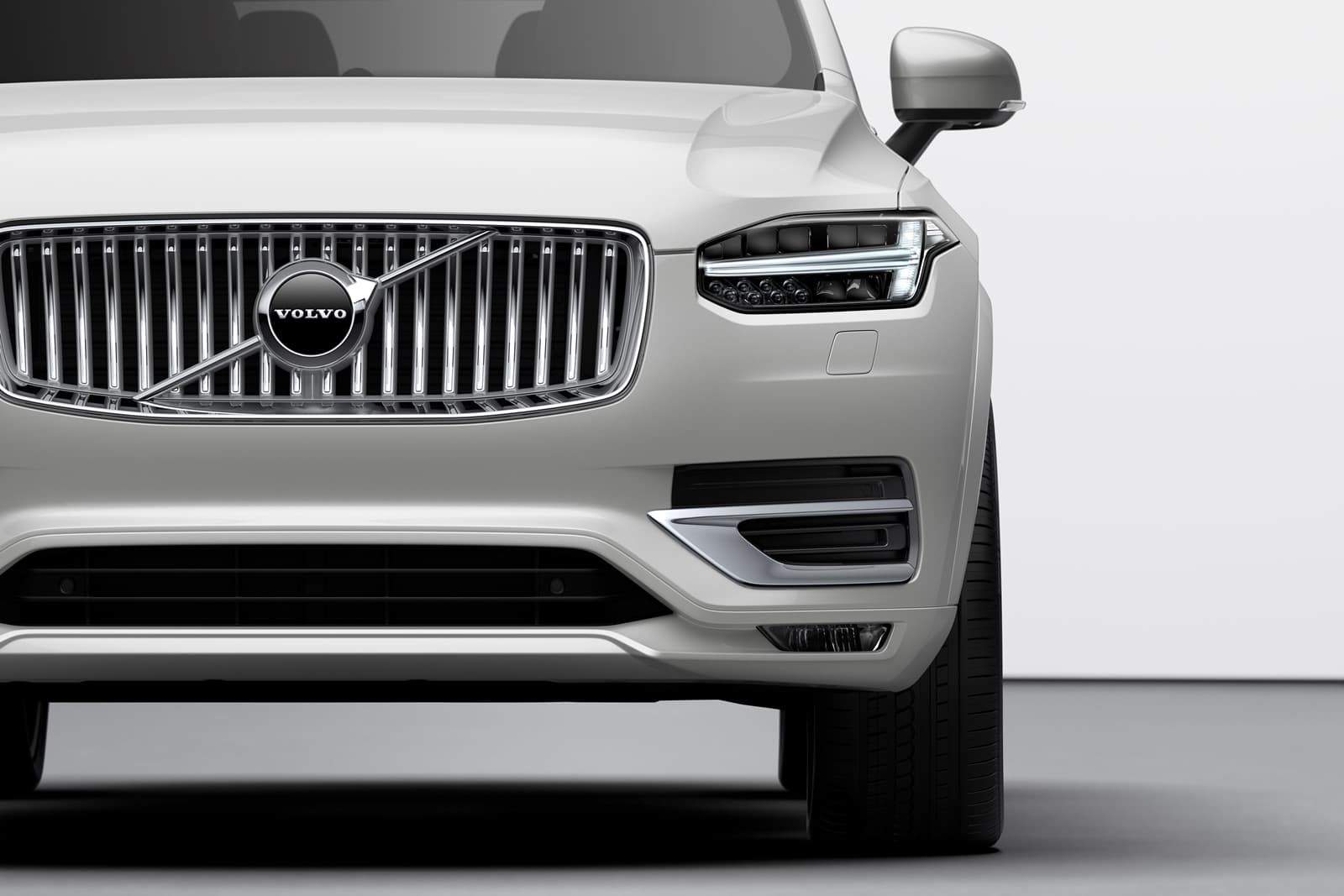 The New Volvo Xc90 Inscription T8 Twin Engine In Birch Light Metallic