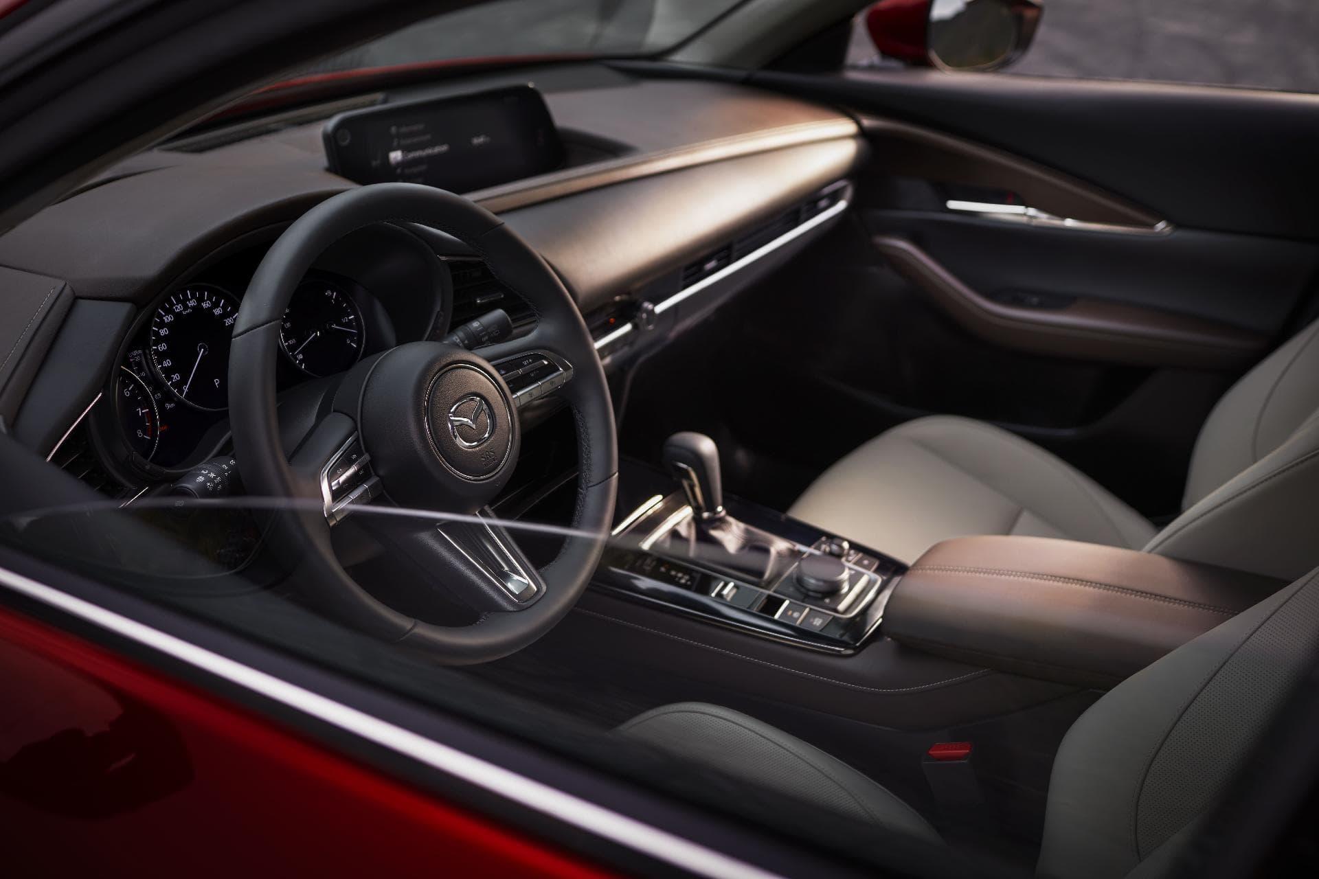 17 Mazda Cx 30