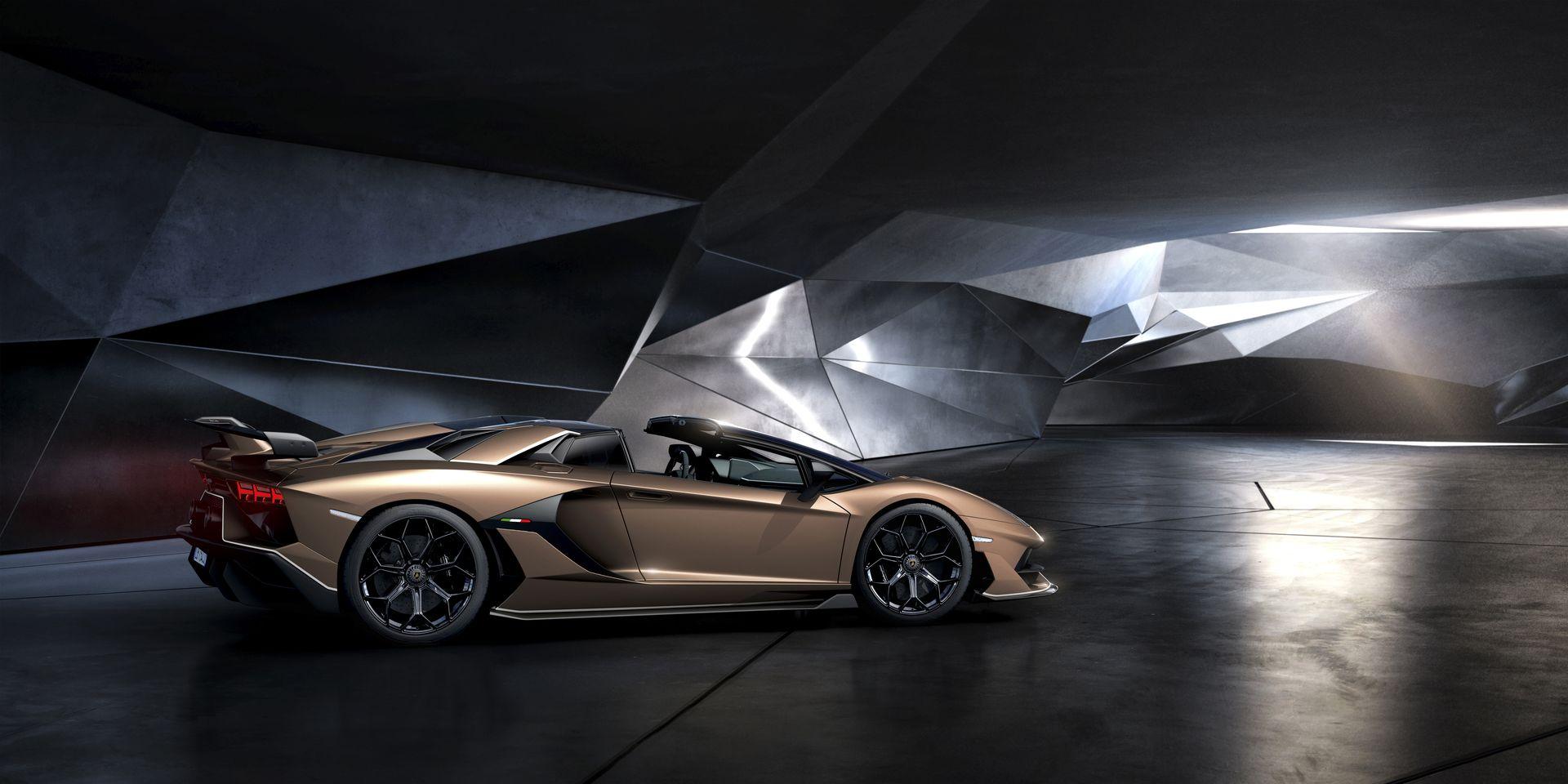 Lamborghini Aventador Svj Roadster 11