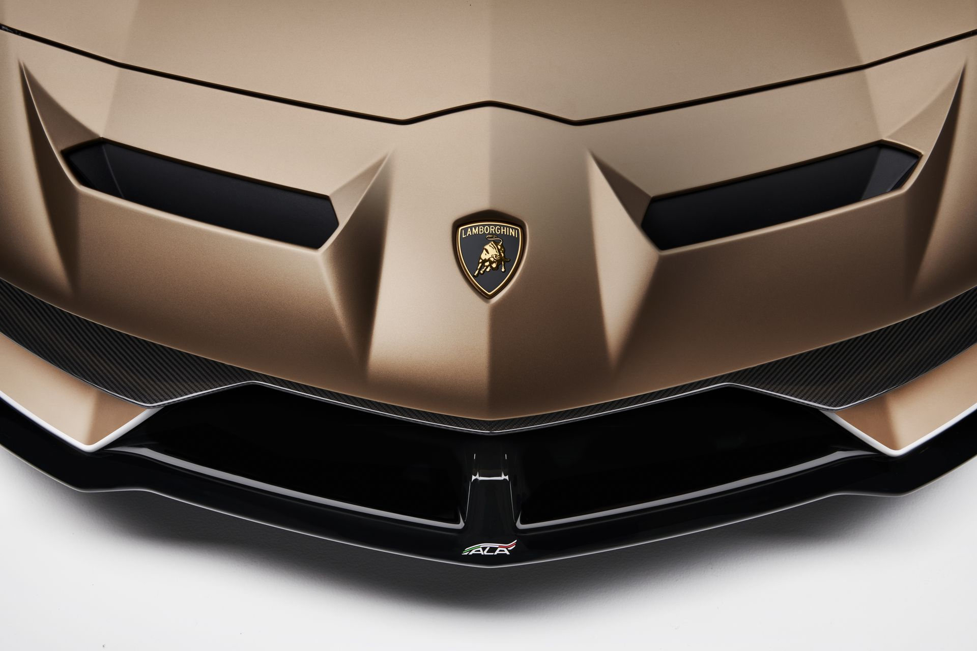Lamborghini Aventador Svj Roadster 33