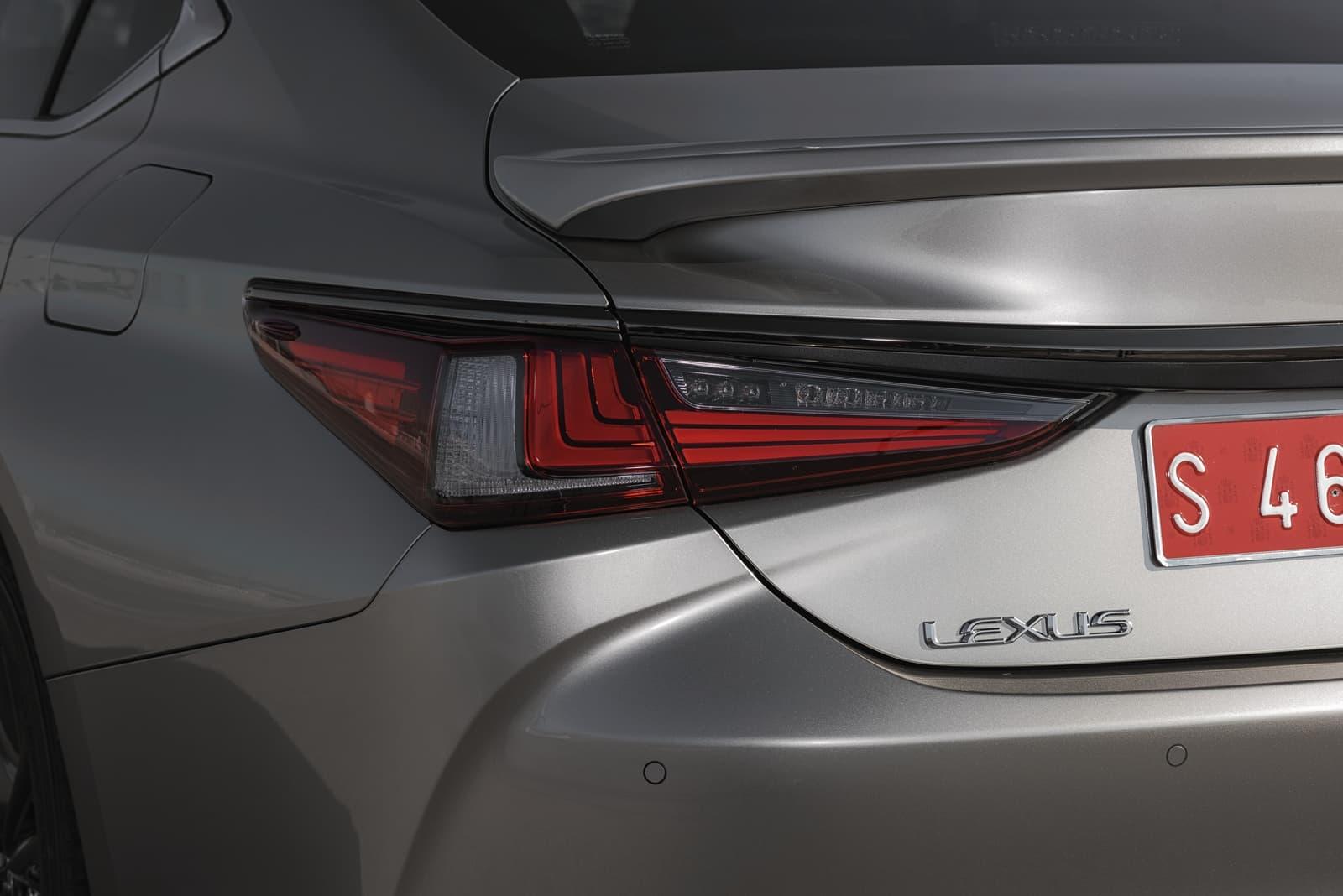 Lexus Es 300h 0319 010