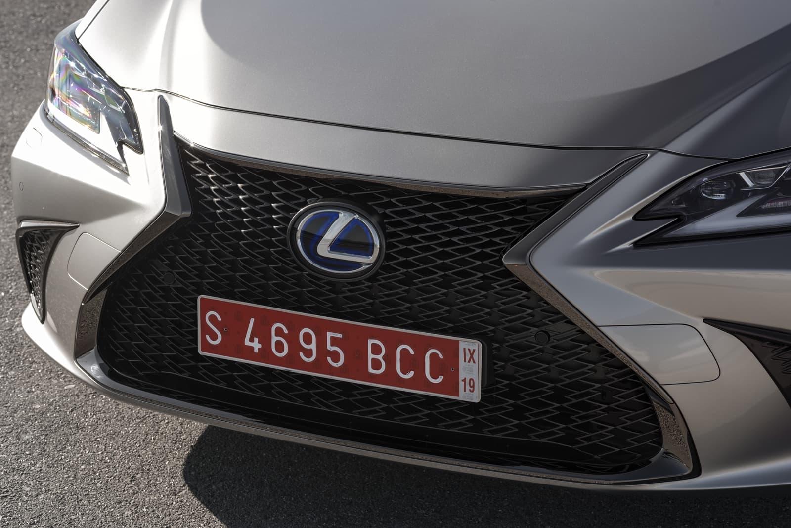 Lexus Es 300h 0319 014