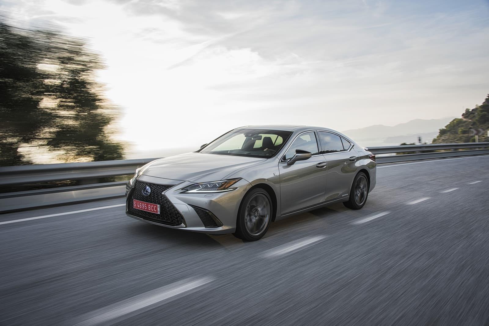 Lexus Es 300h 0319 022