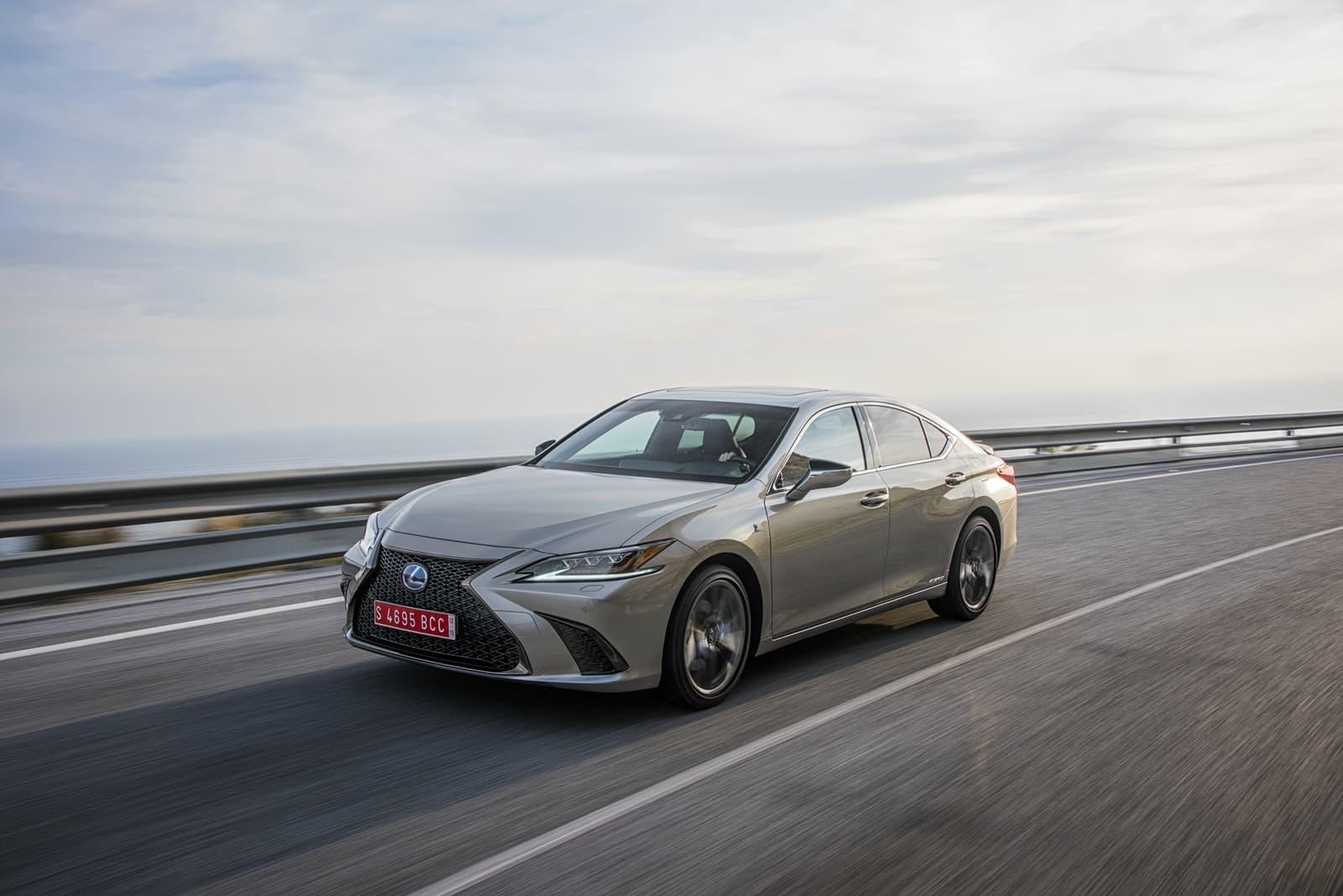 Lexus Es 300h 0319 024